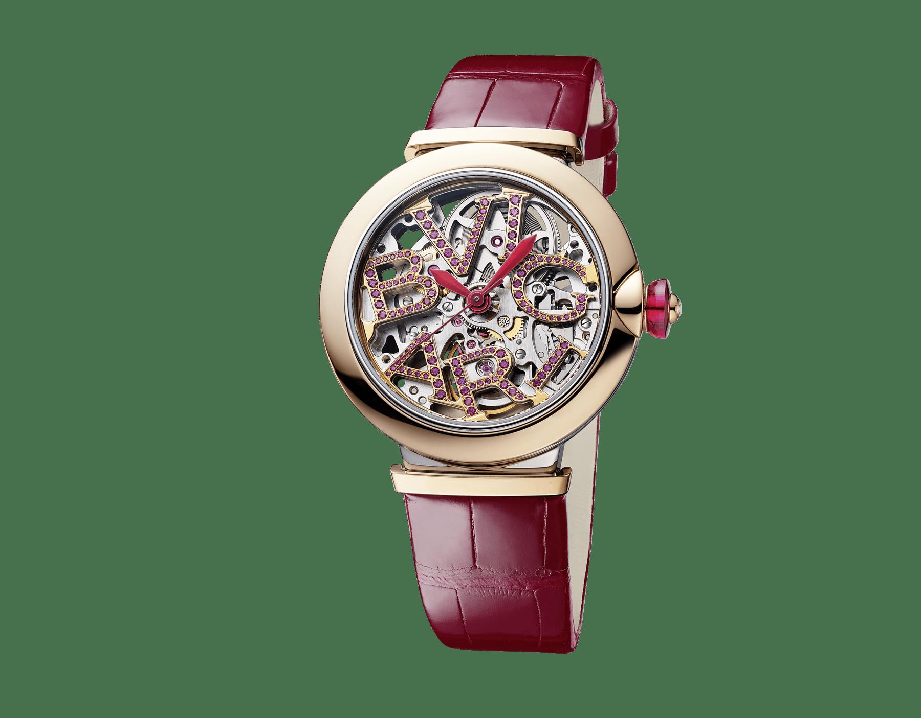 Relógio LVCEA Skeleton com movimento mecânico, corda automática e execução esqueletizada, caixa em aço, bezel em ouro rosa 18K, mostrador com logotipo BVLGARI em aço vazado cravejado com rubis e pulseira em couro de jacaré vermelho 103122 image 2
