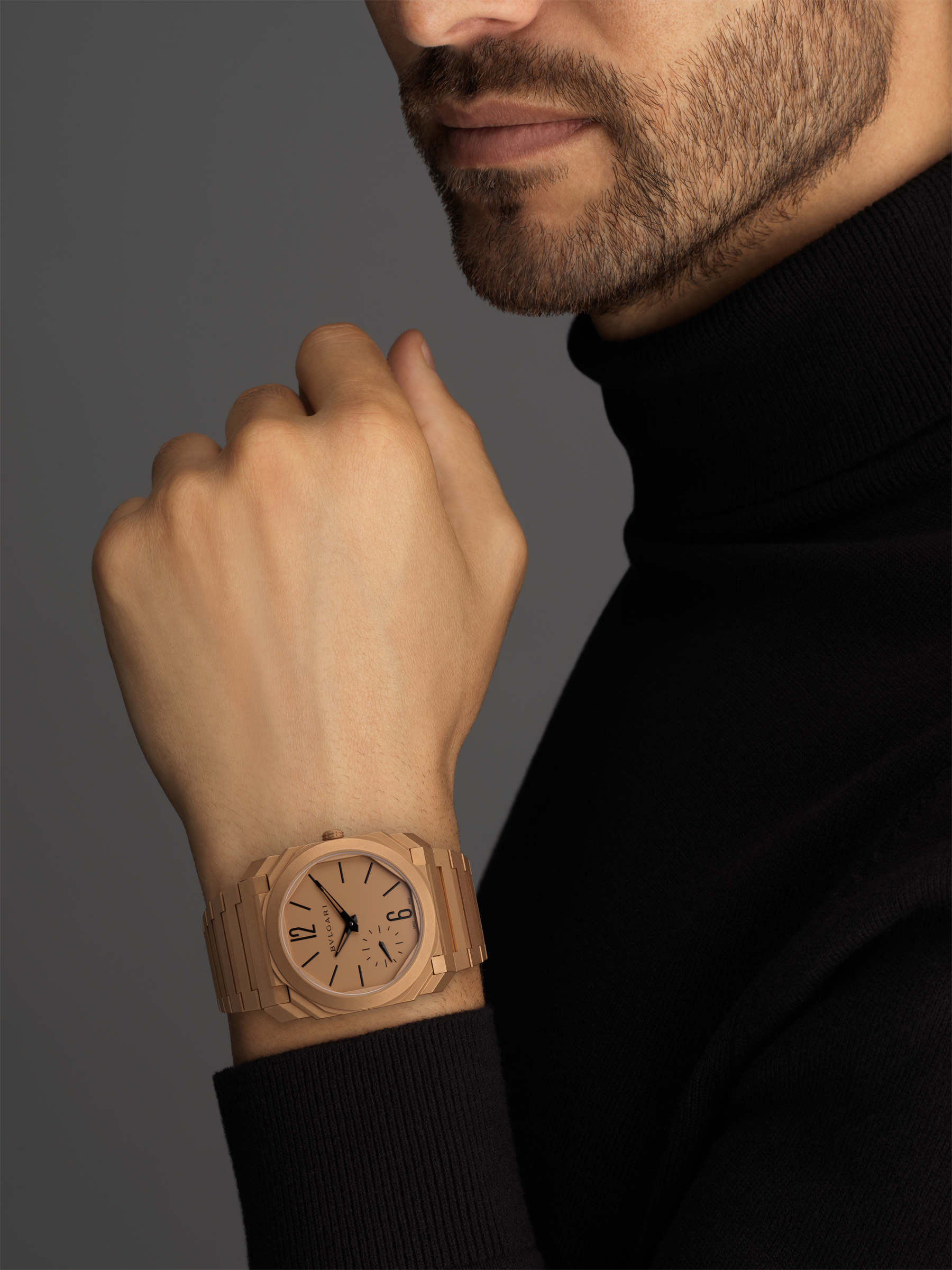 Octo Finissimo Automatic watch with mechanical manufacture movement, automatic winding, platinum microrotor, small seconds, extra-thin sandblasted 18 kt rose gold case and bracelet, and 18 kt rose gold dial 102912 image 5