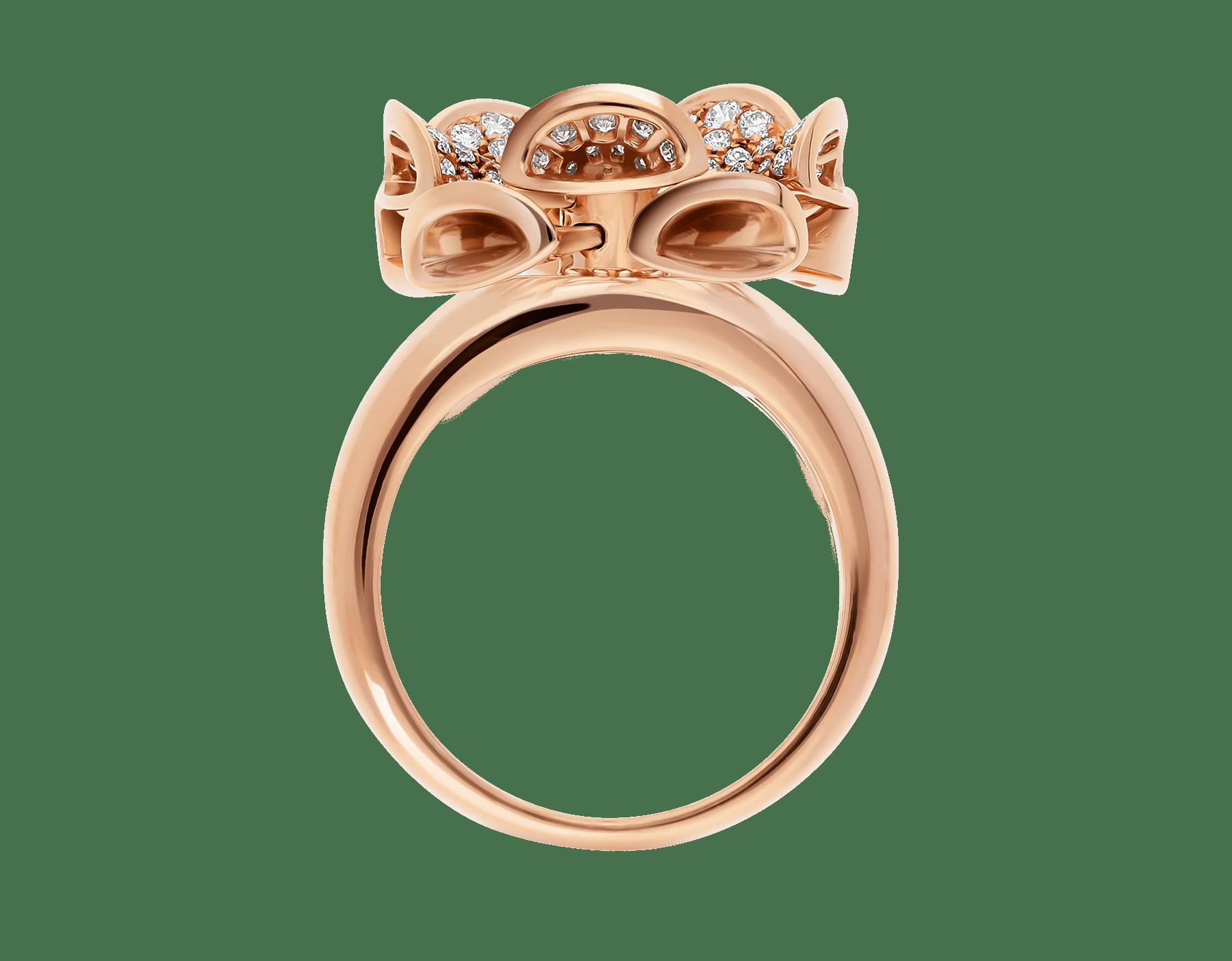 La bague DIVAS' DREAM règne en reine sur le jardin du glamour en se parant d'or rose et de pétales en pavé diamants à l'élégance florale. AN857078 image 2