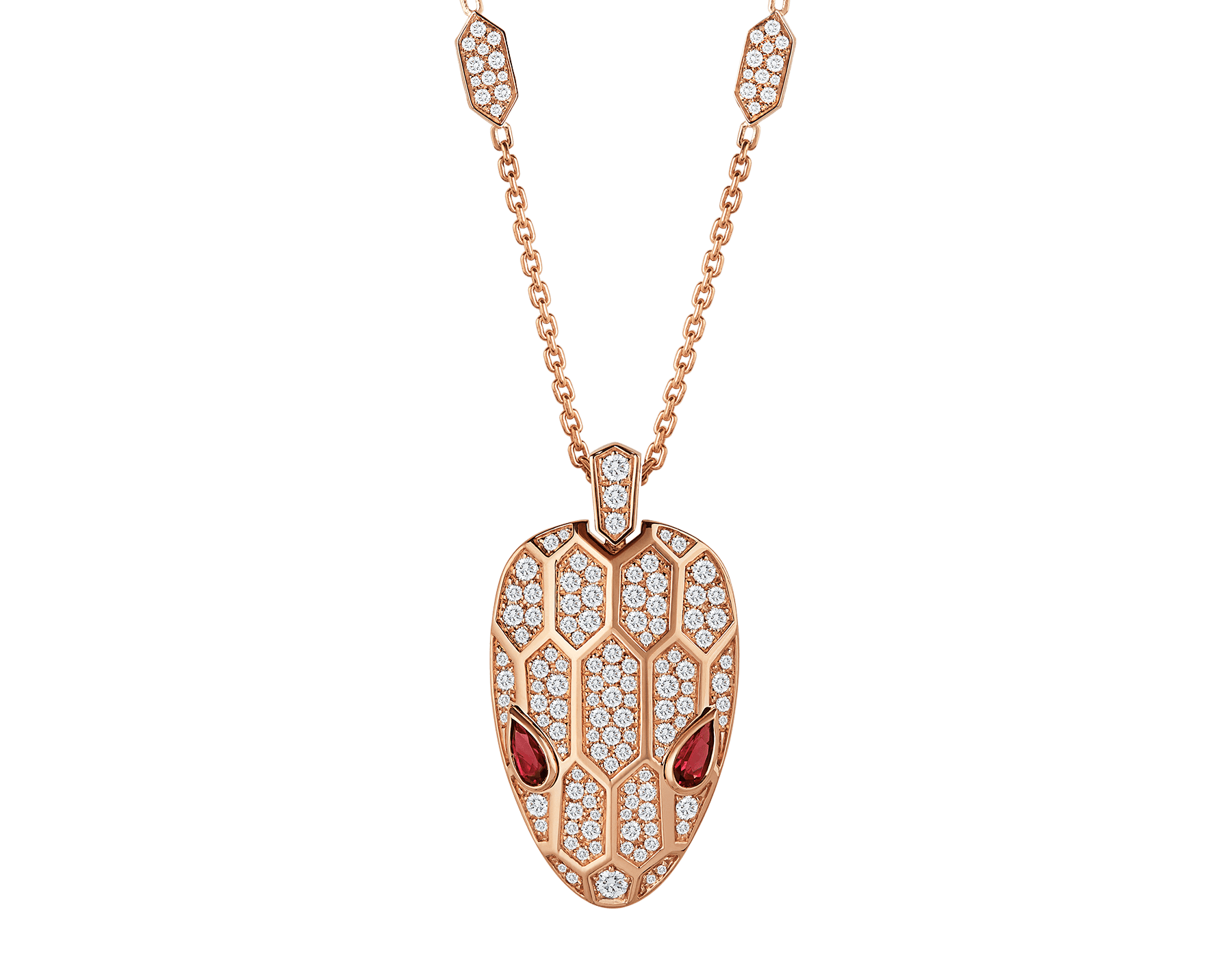 Suspendu à une ravissante chaîne complétée d'écailles hexagonales en pavé diamants, le pendentif Serpenti séduit par la brillance de la tête du serpent et le charme envoûtant de ses magnifiques yeux en rubellite. 352725 image 1