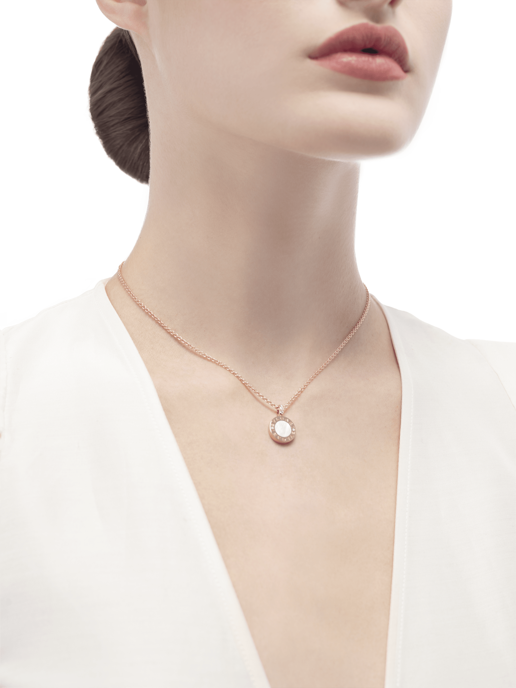 BVLGARI BVLGARI necklace with 18 kt rose gold chain and 18 kt rose gold pendant set with mother-of-pearl elements 350553 image 4