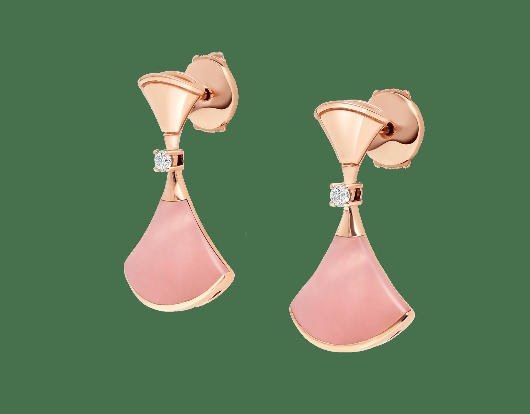 日本先行発売のディーヴァ ドリーム イヤリング。ピンクオパールのインサート、パヴェダイヤモンドをあしらった18Kピンクゴールド製。 357862 image 3