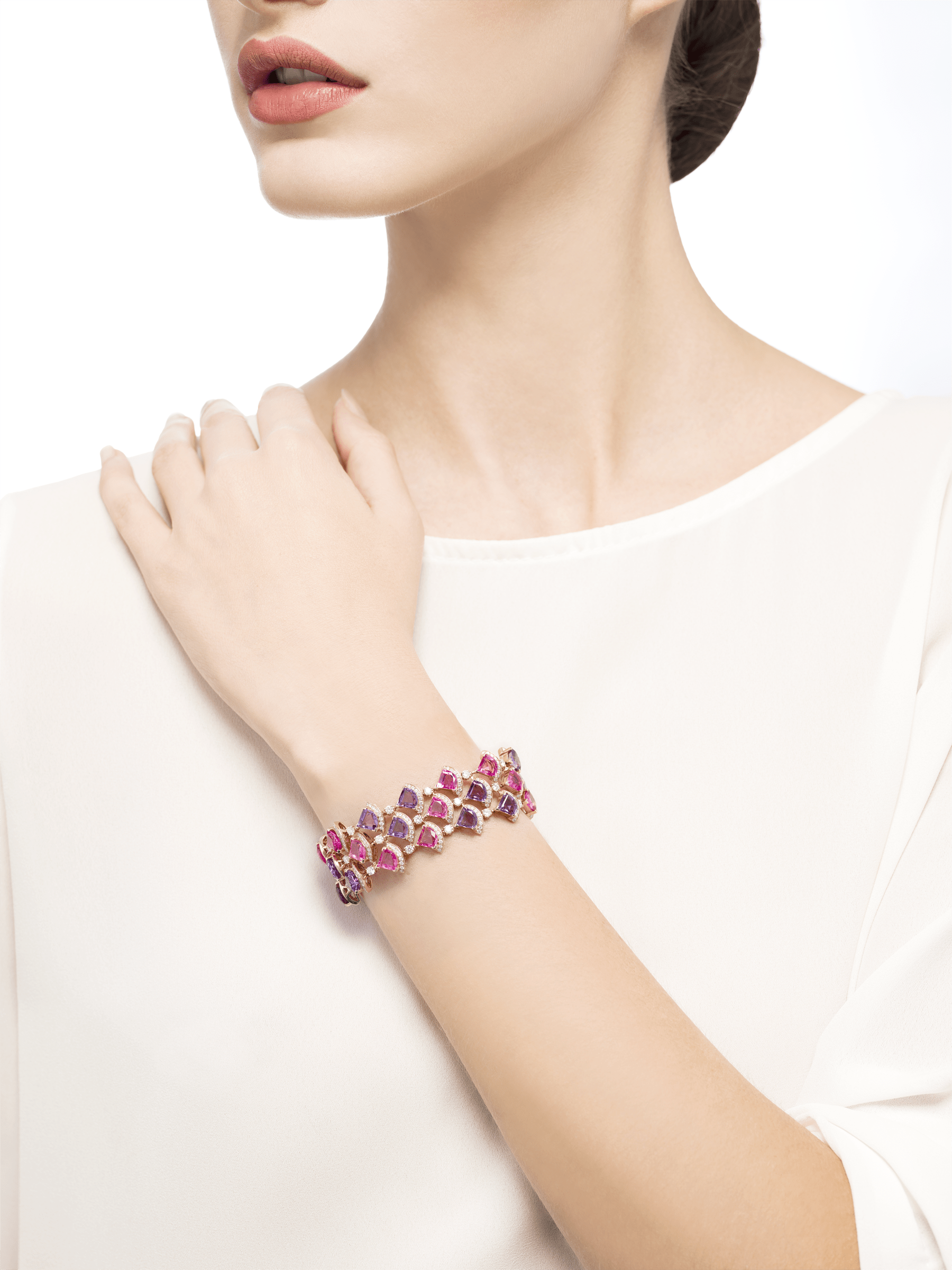 DIVAS' DREAM bracelet in 18 kt rose gold, set with pink rubellite, amethyst and pavé diamonds. BR858025 image 4