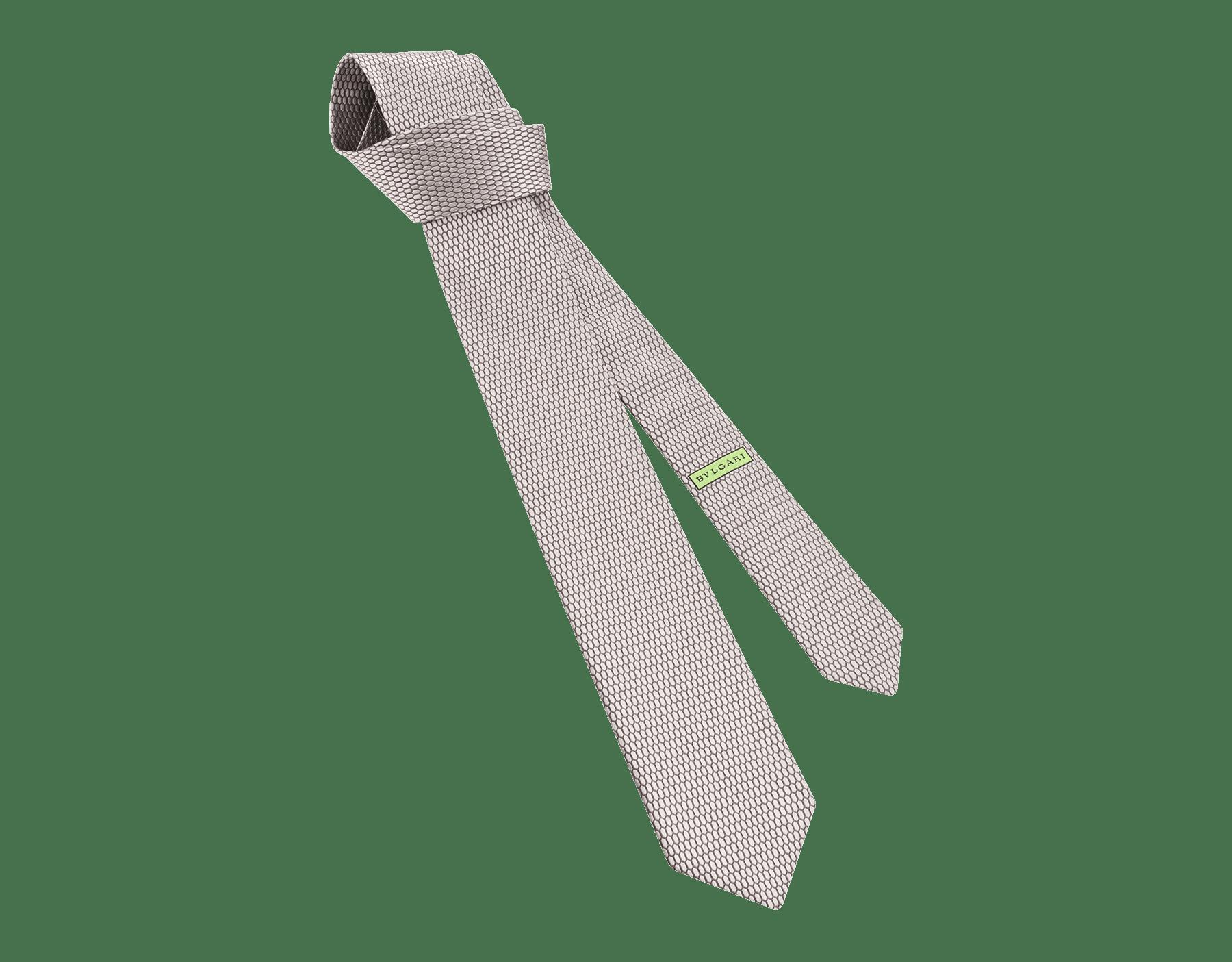 """ربطة عنق بسبع طيات """"كولور سنايك"""" من الحرير الجاكار الفاخر باللون اللؤلؤي . ColorSnake image 1"""