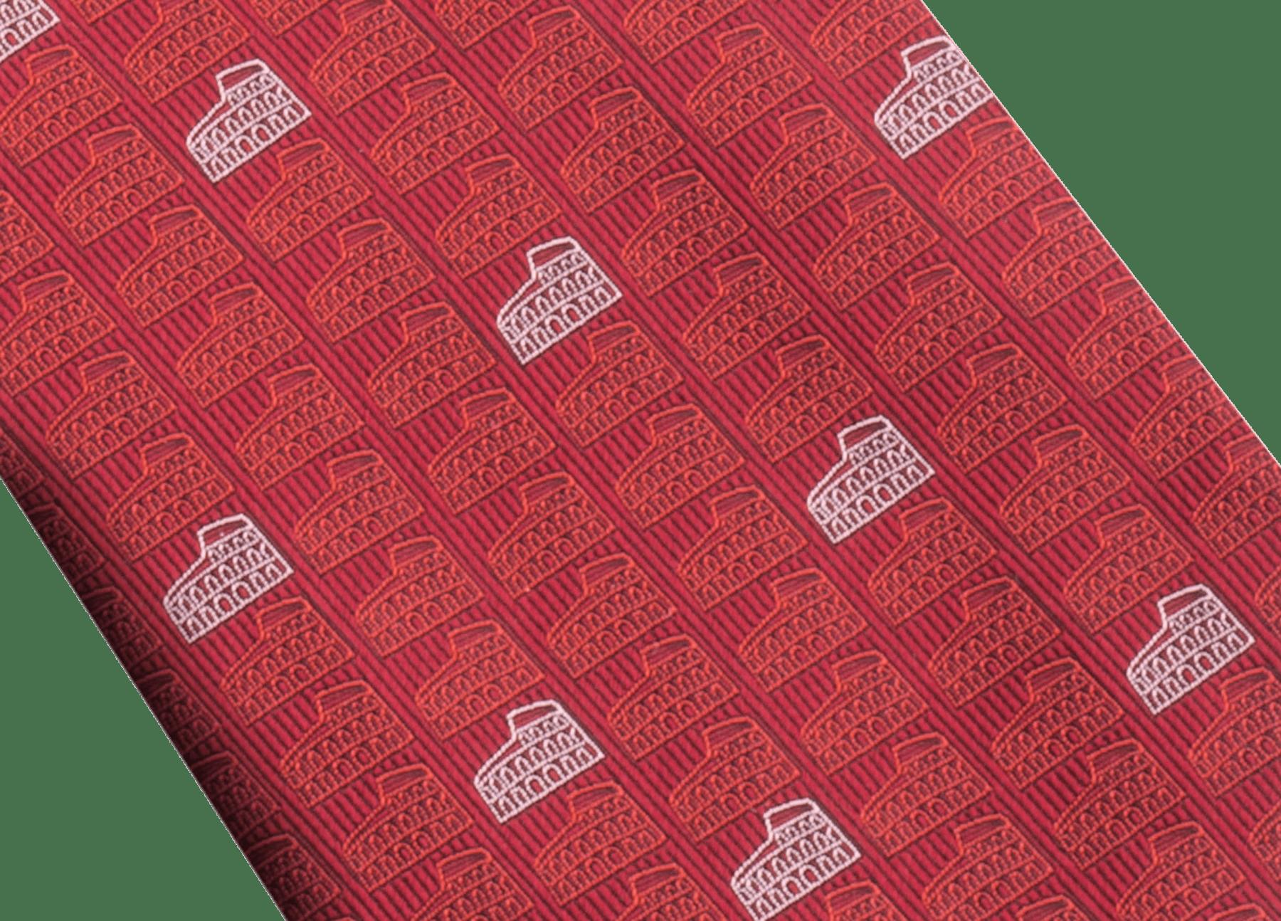 Cravatta rossa con motivo Double Roma in seta pregiata. 243731 image 2