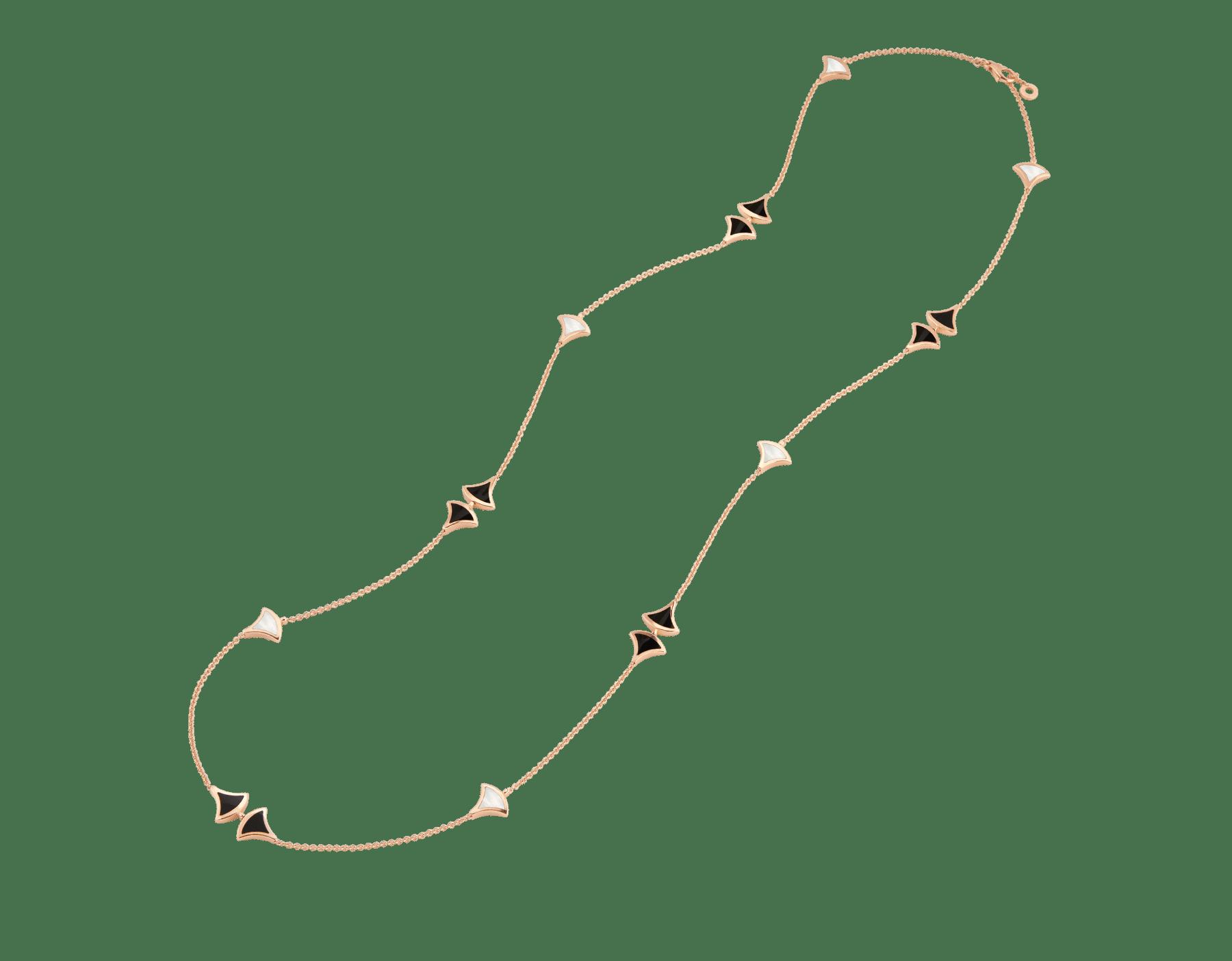 Sautoir DIVAS' DREAM en or rose 18K avec pendentif serti d'éléments en nacre et onyx. 350060 image 2