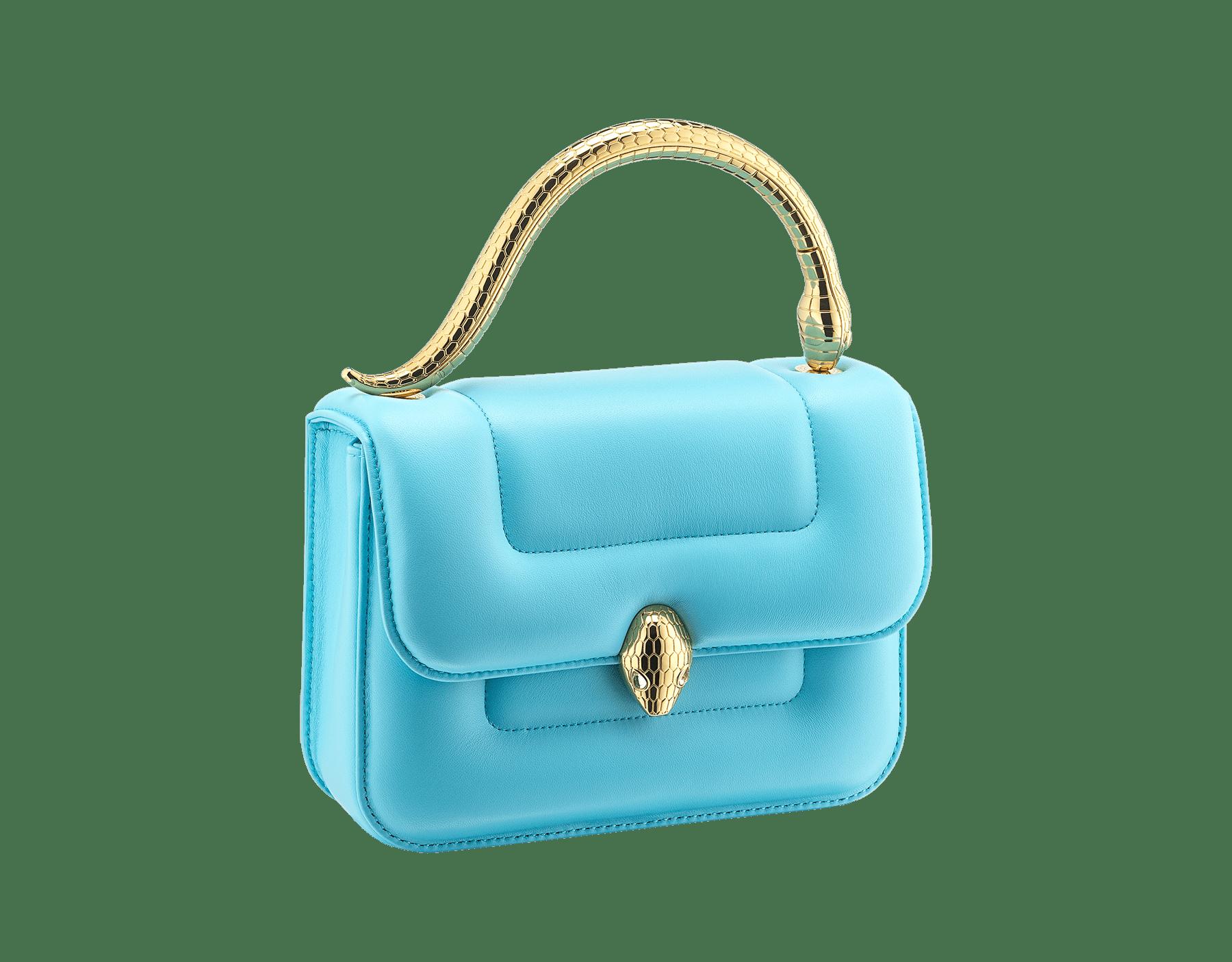 Mary Katrantzou x Bvlgari 手提包,採用柔軟的 Aegean Toapz 藍色絎縫納帕軟面皮,Aegean Toapz 藍色納帕軟面皮襯裡。新式金色黃銅 Serpenti 蛇頭扣環,誘人蛇眼鑲飾水晶。特別版包款。 MK-1142 image 2