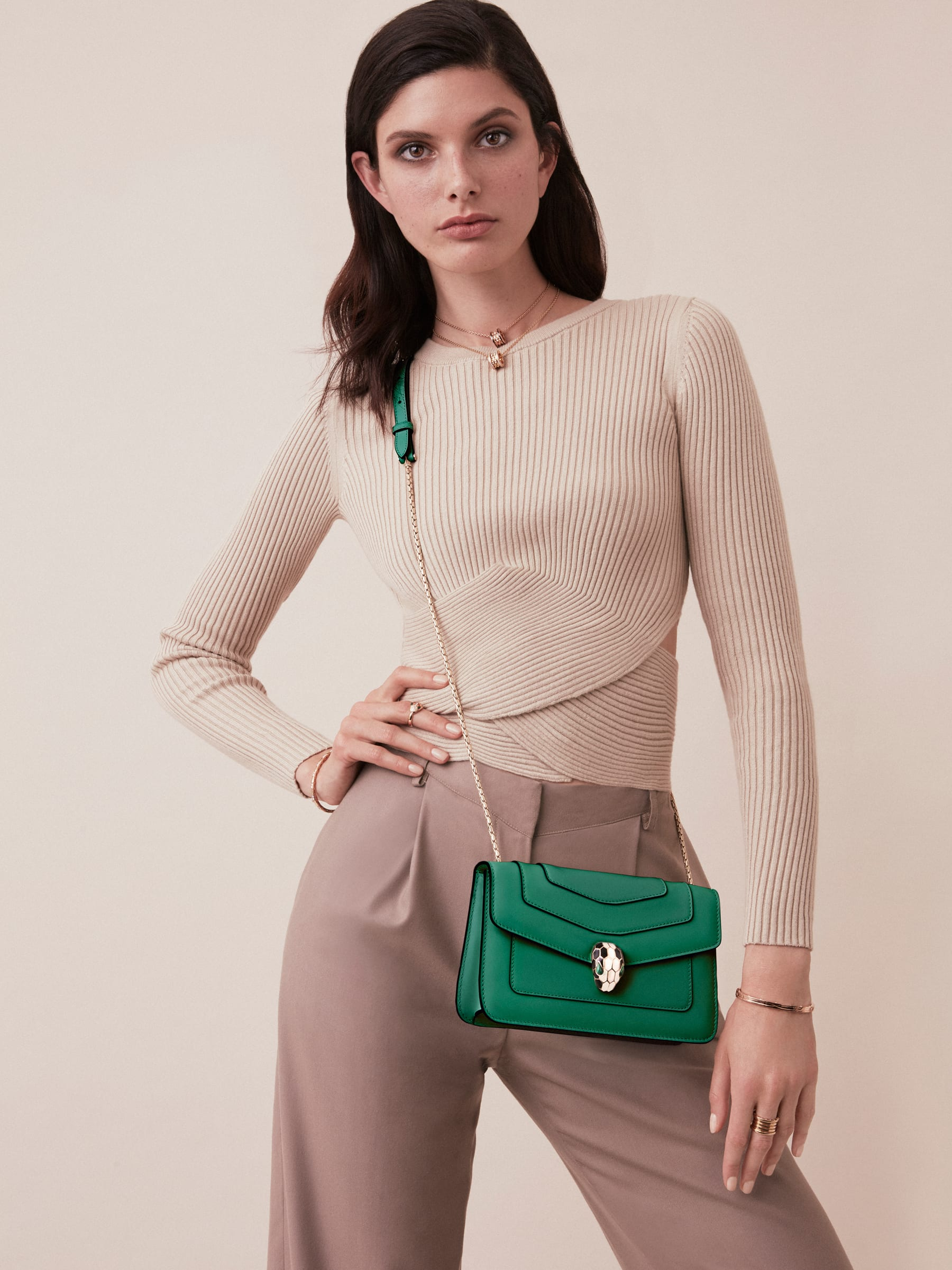 """Serpenti Forever"" crossbody bag in crystal rose calf leather. Iconic snakehead closure in light gold plated brass enriched with black and white enamel and green malachite eyes 625-CLa image 5"