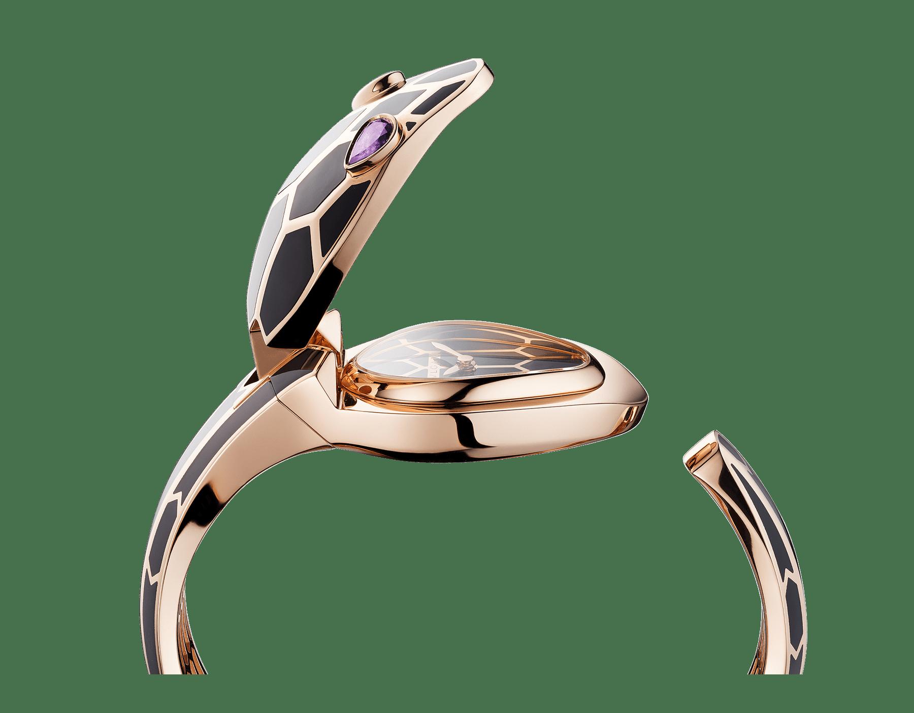 Montre à secret Serpenti Misteriosi avec boîtier et bracelet jonc en or rose 18K recouverts de laque noire, cadran laqué noir et yeux en améthyste taille poire. SrpntSecretWtc-rose-gold image 6