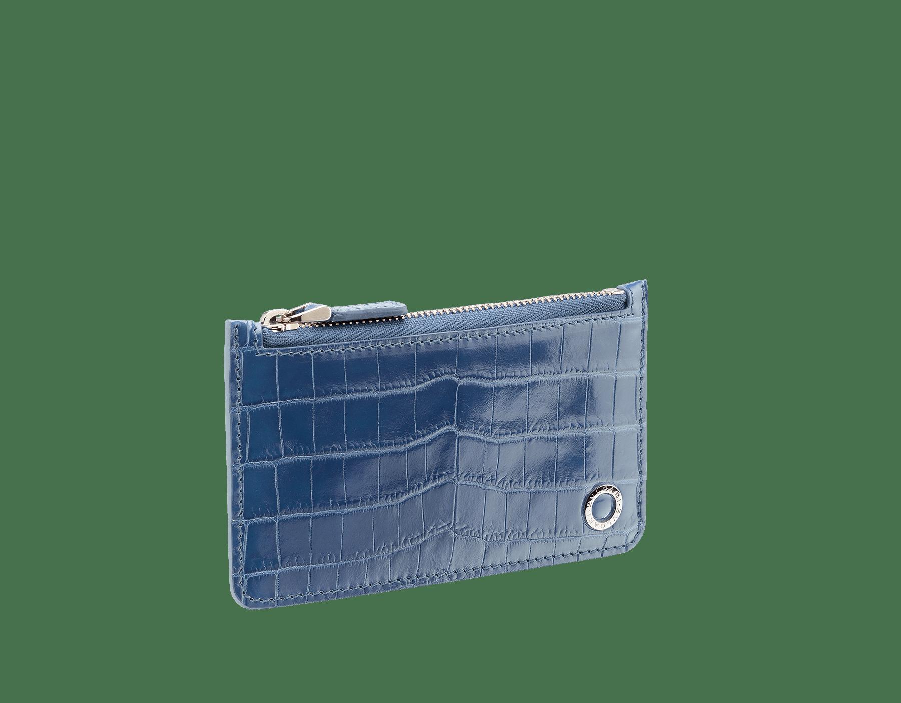 羅馬石榴石色亮面鱷魚皮和單寧藍光滑小牛皮信用卡夾,飾以鍍鈀黃銅 Bulgari Bulgari 元素。 BBM-CC-HOLDER-ZIP image 2