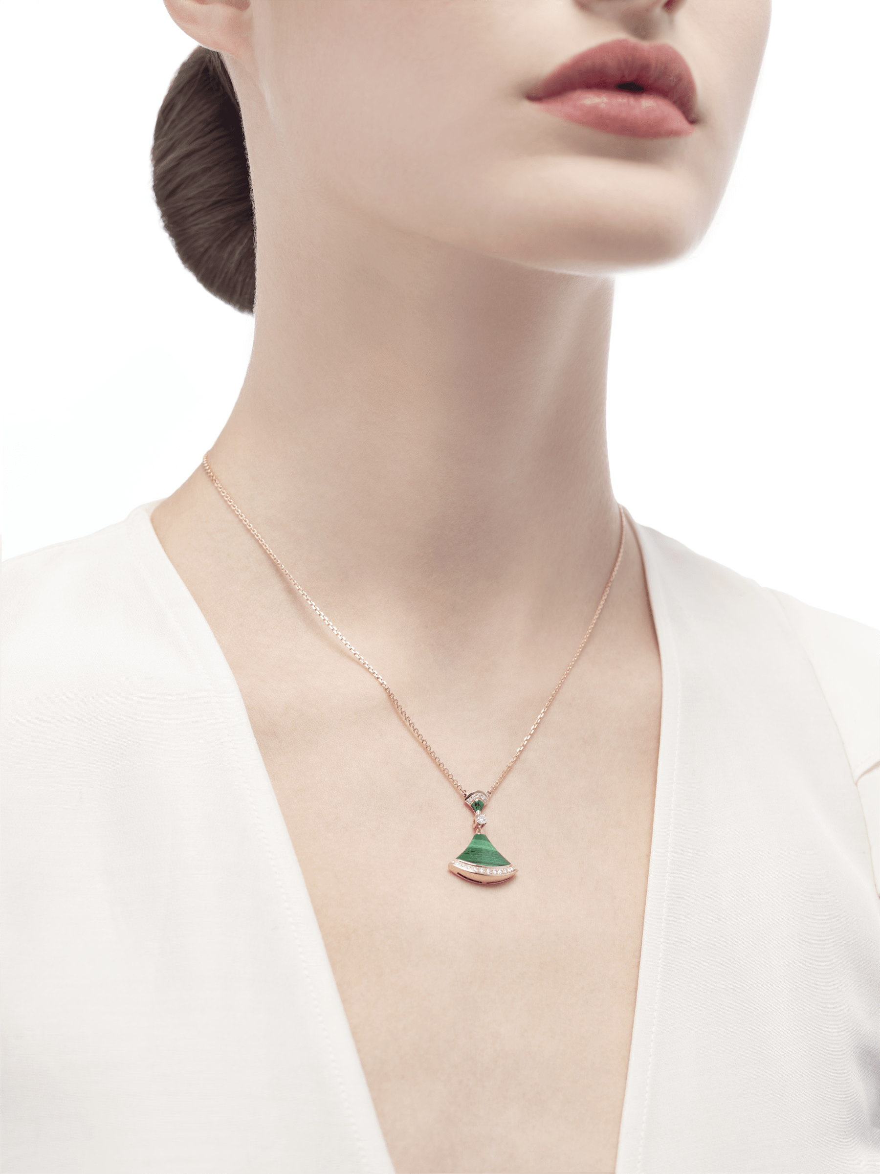 DIVAS' DREAM necklace in 18 kt rose gold with pendant set with a diamond, malachite elements and pavé diamonds. 351143 image 3