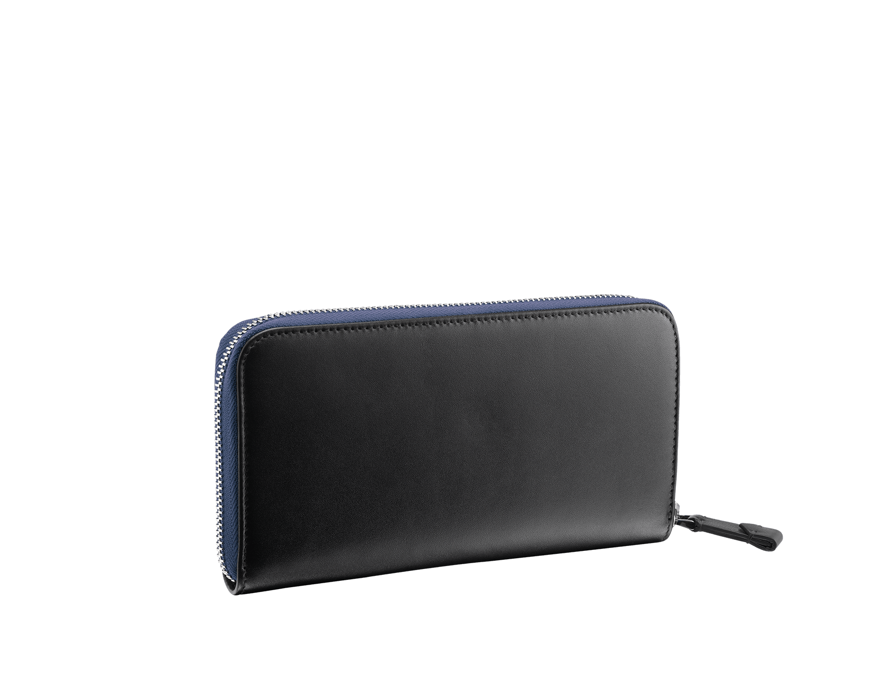 Man zipped wallet in denim sapphire grazed calf leather and black calf leather. Bulgari logo on iconic Serpenti Scaglie Man metal plate finished in dark ruthenium. 282779 image 3