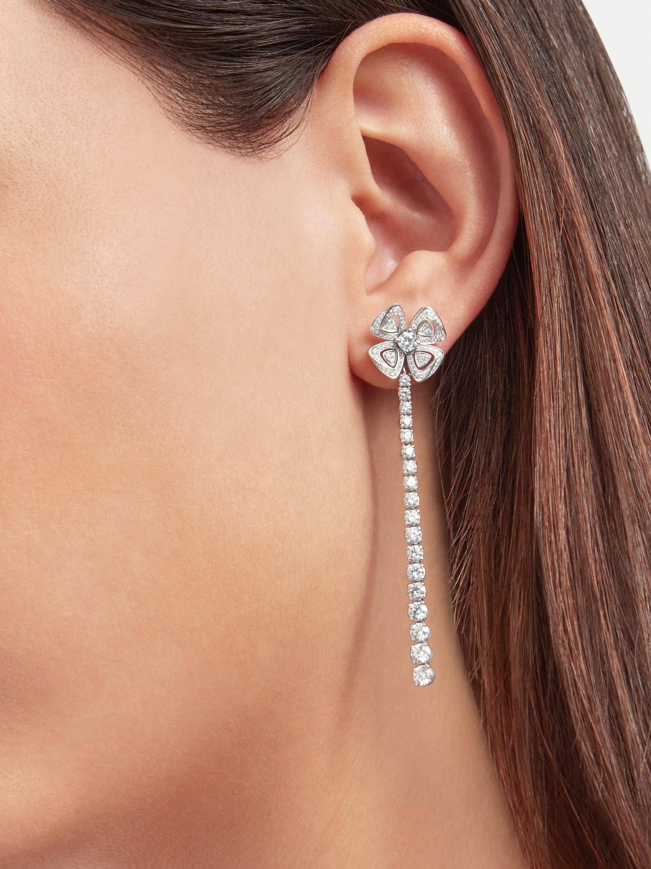 Fiorever 18K 白金可變換式耳環,鑲飾明亮型切割鑽石(2.81 克拉)和密鑲鑽石(0.26 克拉)。 358158 image 1