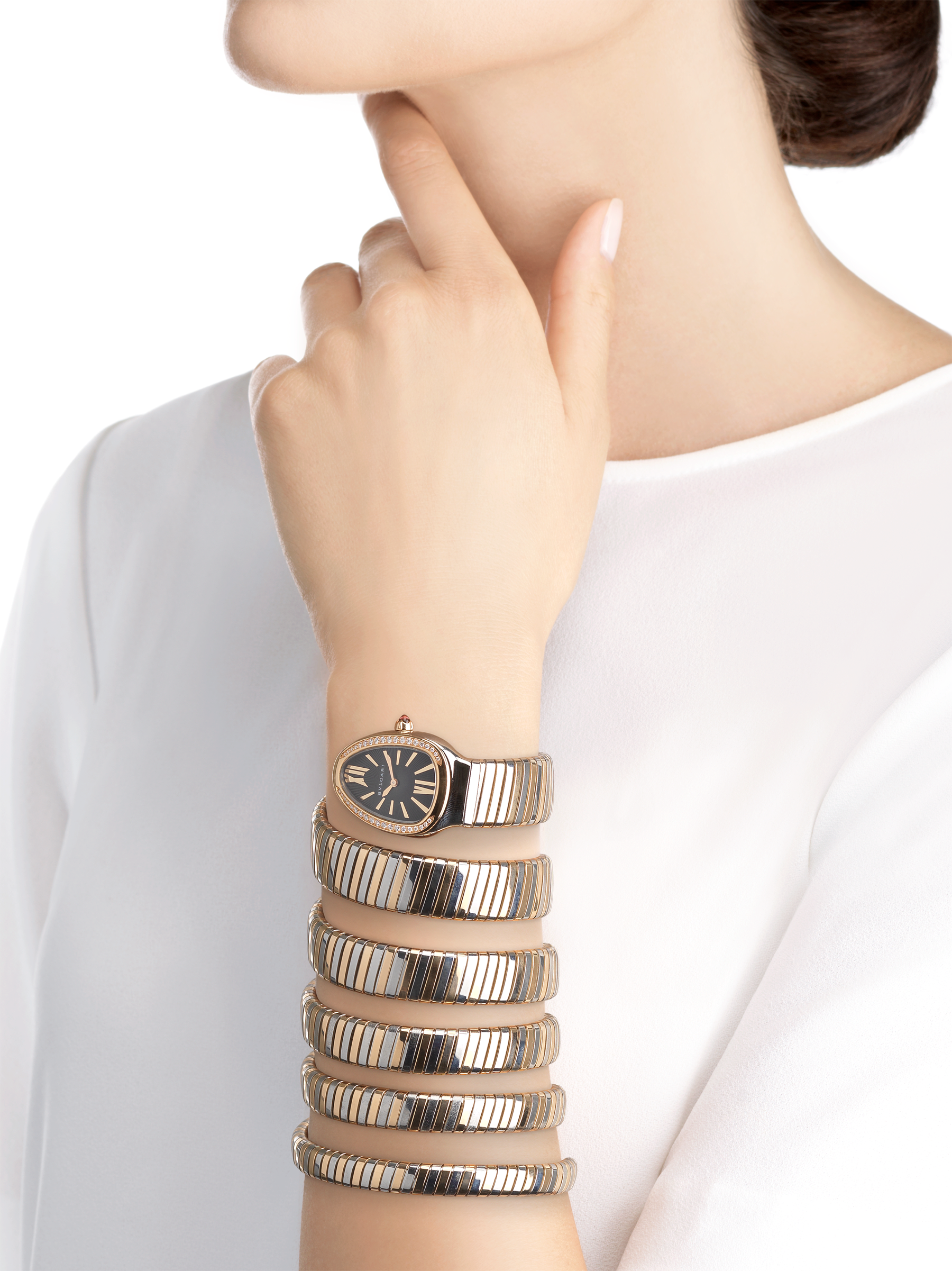 Serpenti Tubogas five-spiral watch with stainless steel case, 18 kt rose gold bezel set with brilliant cut diamonds, black lacquered dial, 18 kt rose gold and stainless steel bracelet. 102621 image 3