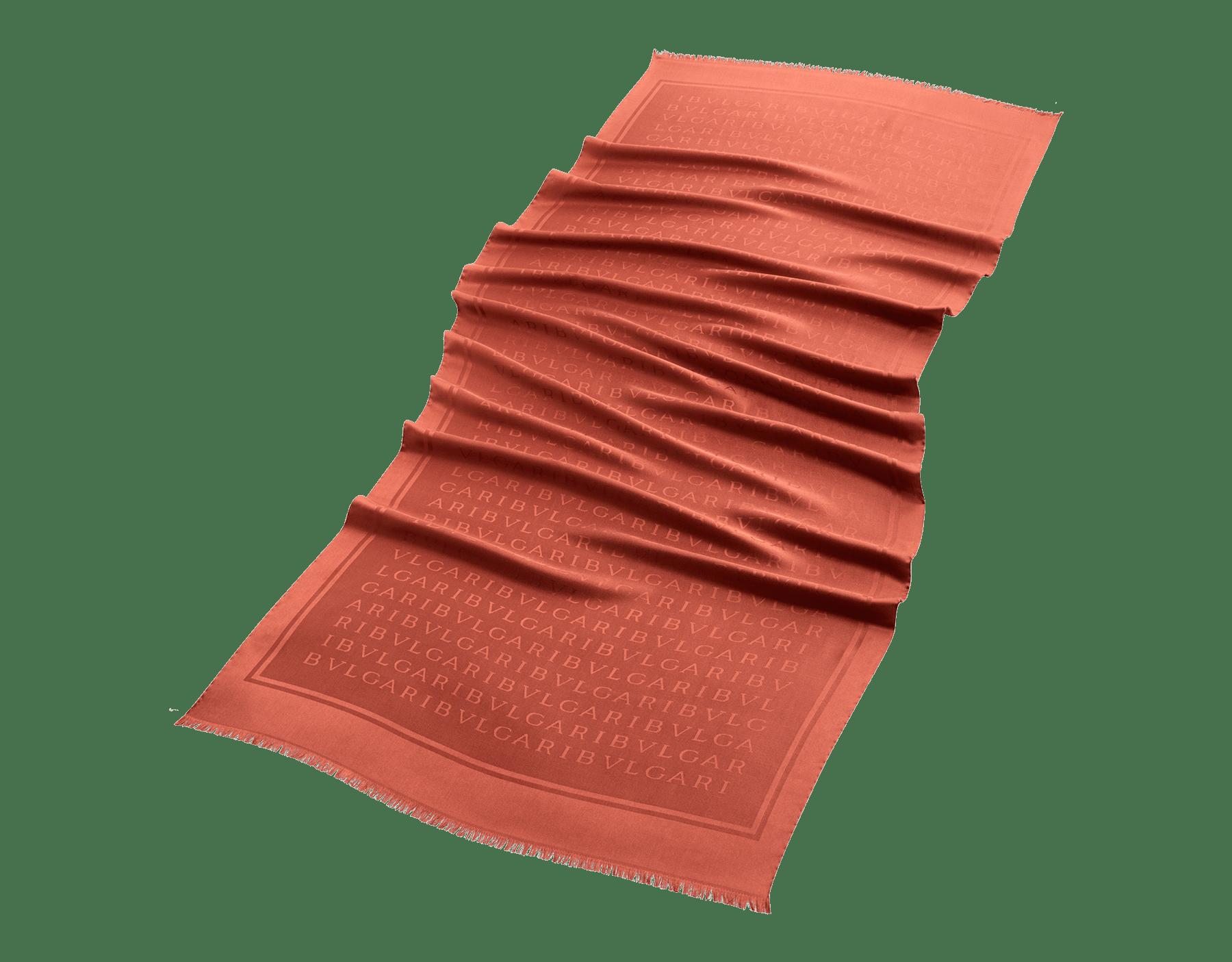 Stola Lettere Maxi Light color topazio imperiale in seta pregiata. 244054 image 2
