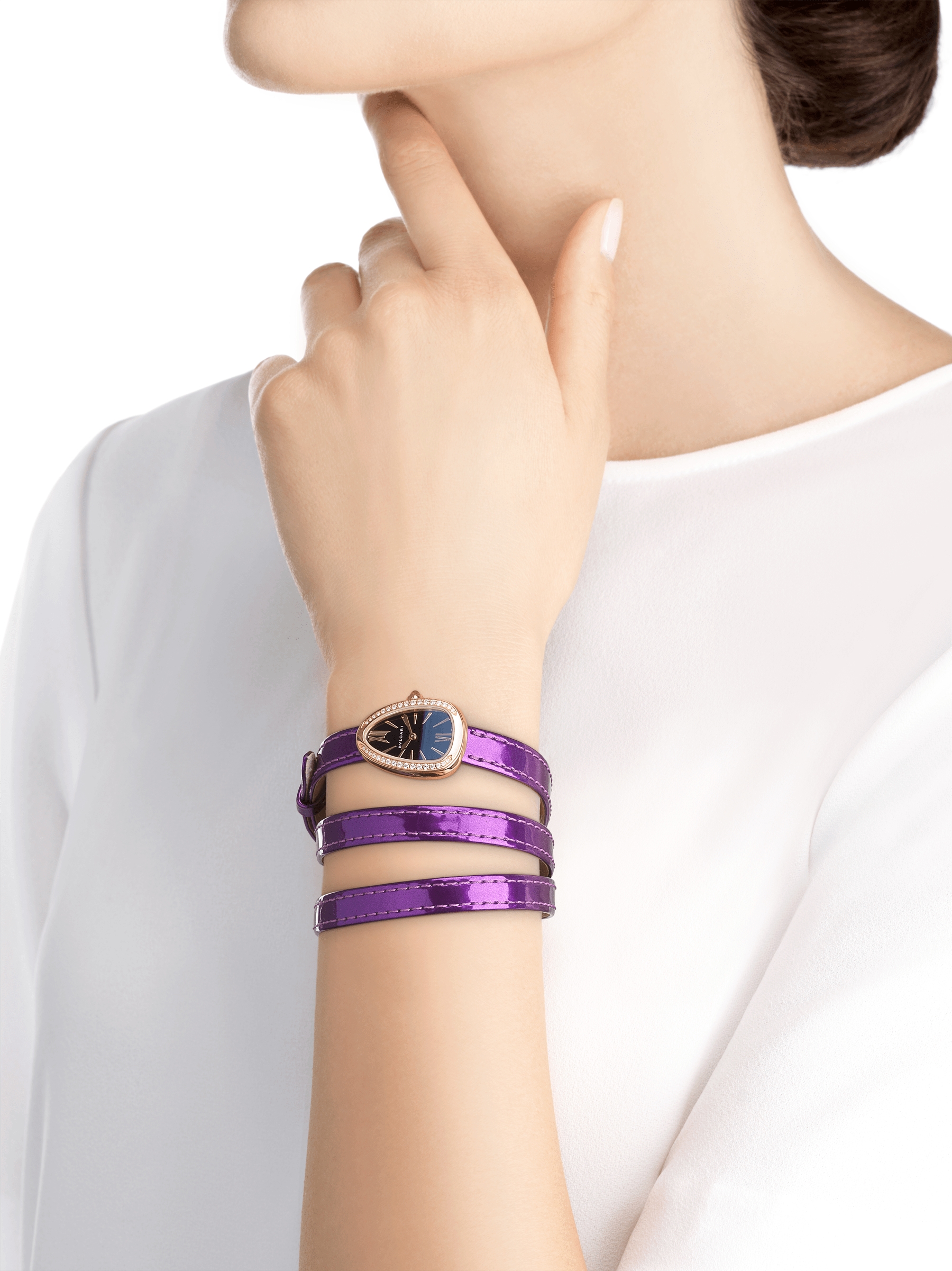 Serpenti watch with 18 kt rose gold case set with diamonds, black lacquered dial and interchangeable qadruple spiral bracelet in wisteria jade brushed metallic calf leather. 102969 image 3