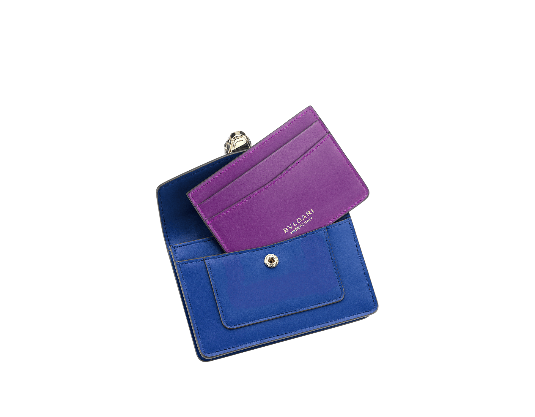Pocket credit card holder in black and emerald green calf leather, with malachite nappa lining. Brass light gold plated Serpenti head stud closure in black and white enamel, with eyes in green malachite. SEA-CC-HOLD-POCKET-CL image 2