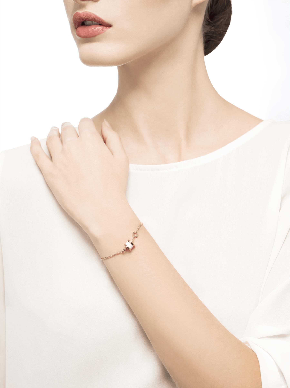Pulsera flexible B.zero1 en oro rosa de 18 qt con colgante en oro rosa de 18 qt y cerámica blanca. BR858158 image 3
