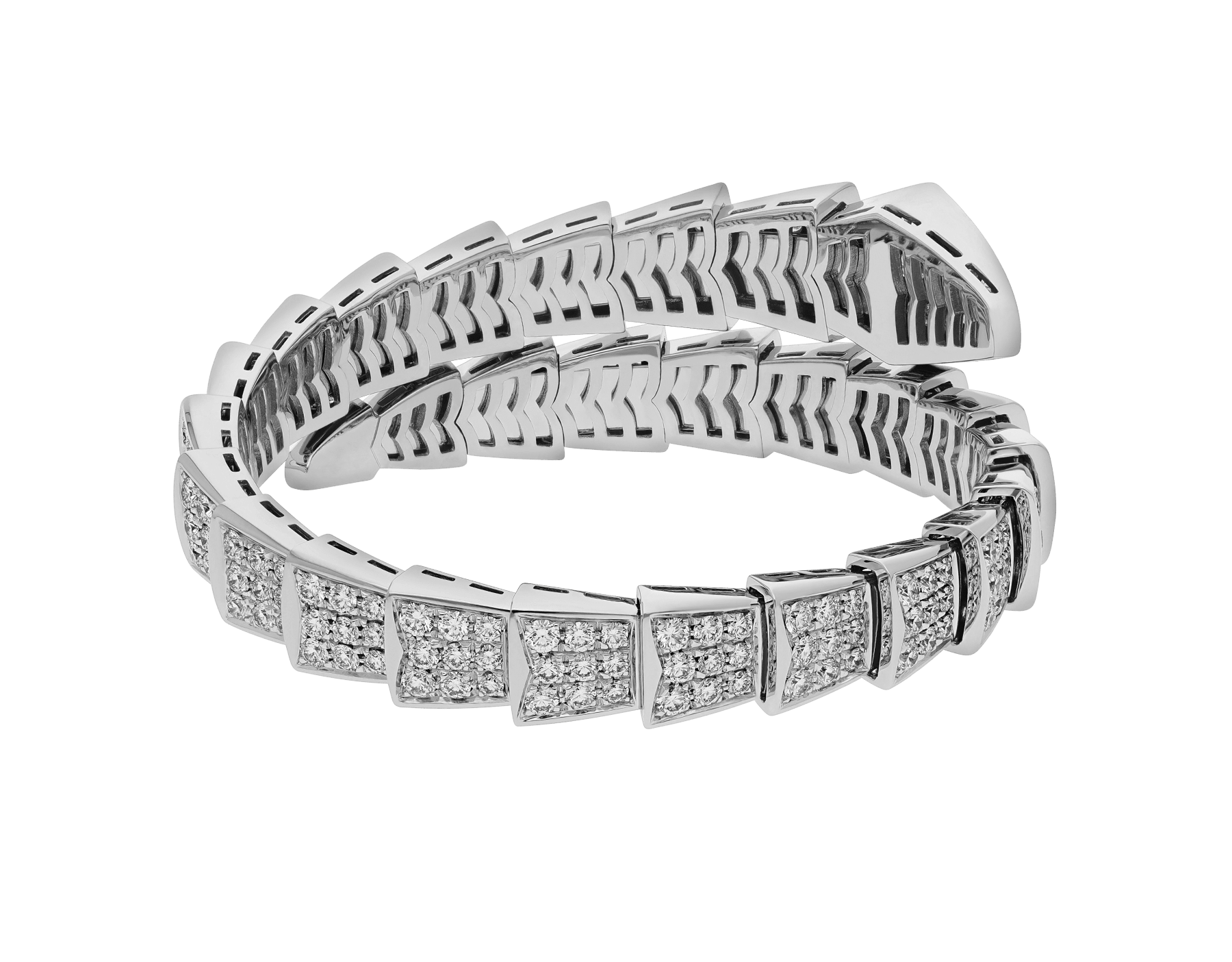 Serpenti Viper one-coil bracelet in 18 kt white gold, set with full pavé diamonds. BR855231 image 3