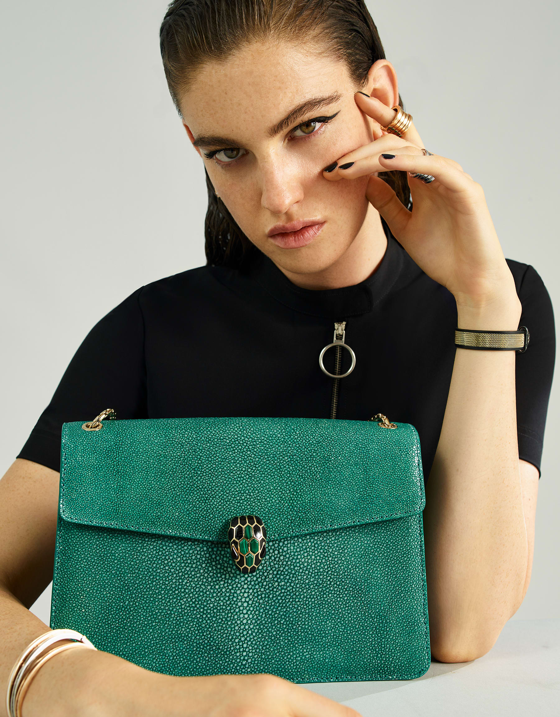 """Serpenti Forever"" shoulder bag in emerald green galuchat skin. Iconic snake head closure in light gold plated brass enriched with black enamel, malachite scales and black onyx eyes. 289026 image 5"