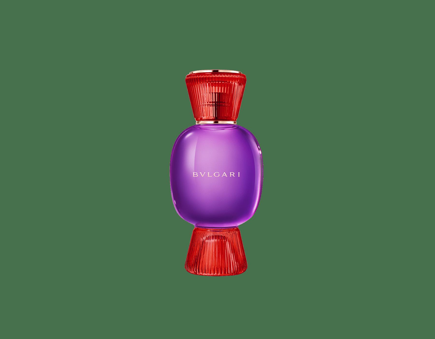 Una exclusiva combinación de perfumes, tan audaz y única como usted. El Eau de Parfum chipre festivo Fantasia Veneta de Allegra se combina con la fuerte sensualidad de la Magnifying Patchouli Essence, creando un irresistible perfume femenino personalizado. Perfume-Set-Fantasia-Veneta-Eau-de-Parfum-and-Patchouli-Magnifying image 2