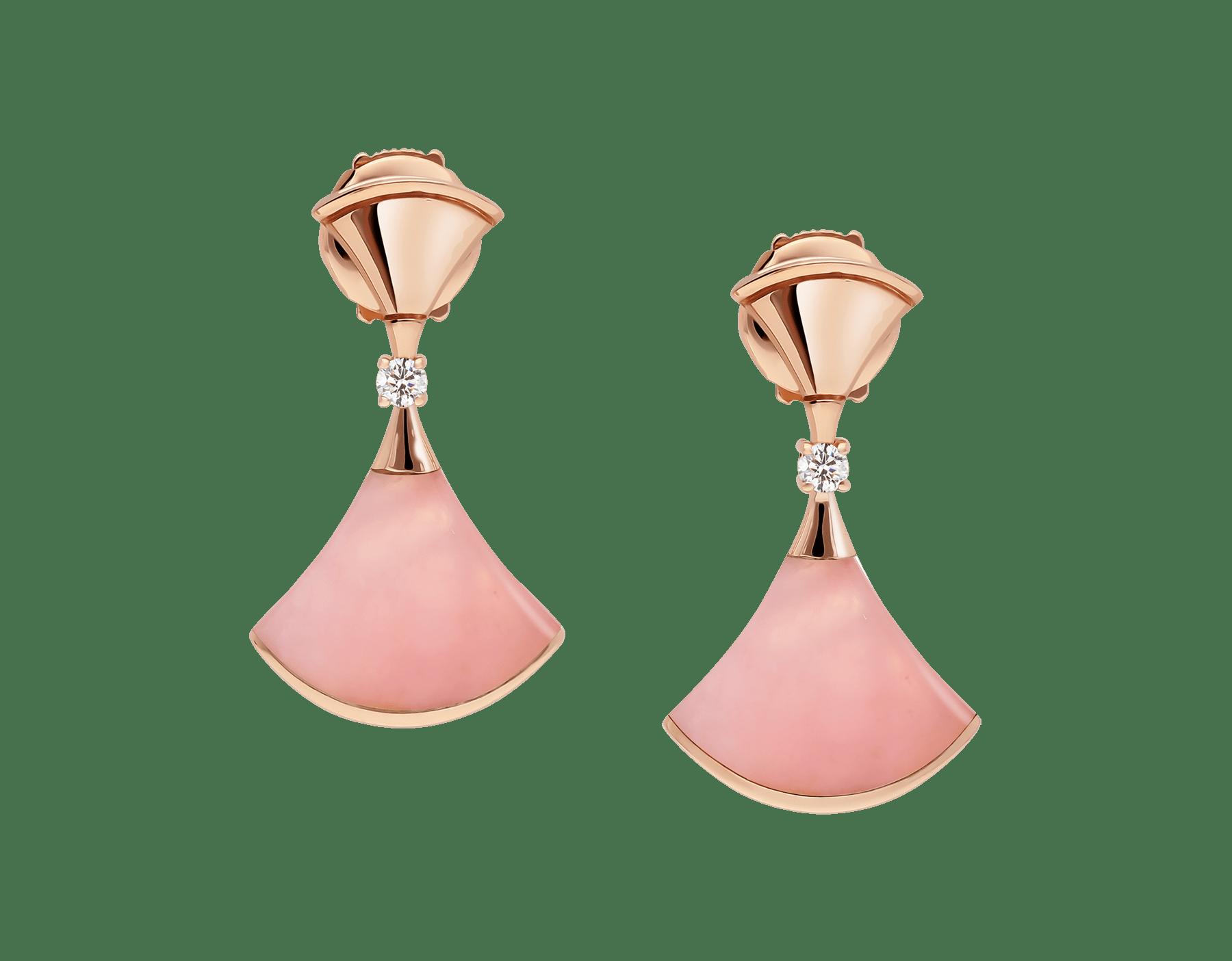 日本先行発売のディーヴァ ドリーム イヤリング。ピンクオパールのインサート、パヴェダイヤモンドをあしらった18Kピンクゴールド製。 357862 image 1