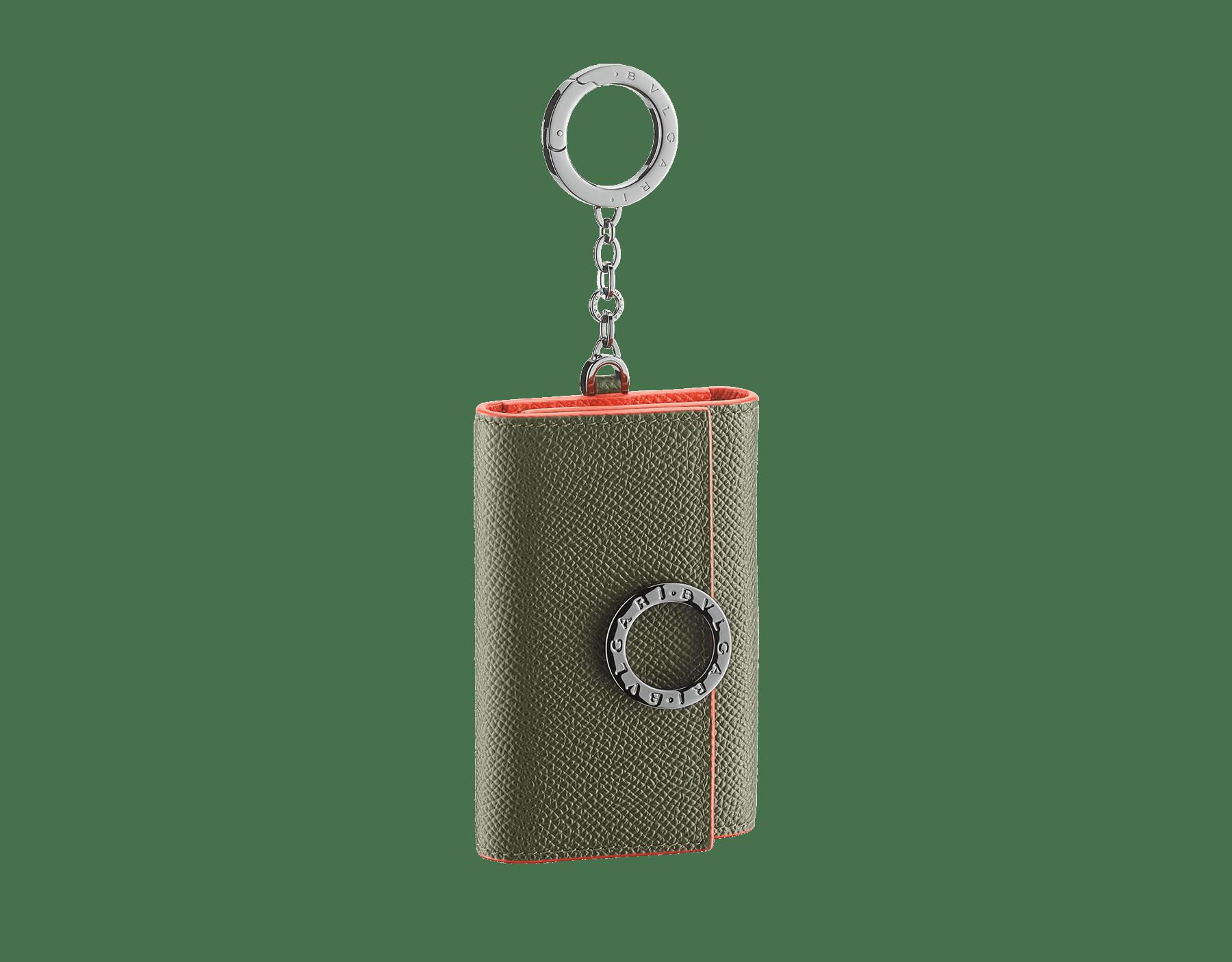 Porte-clés BVLGARI BVLGARI en cuir de veau grainé couleur Mimetic Jade et Fire Amber. Emblématique logo Bvlgari et mousqueton en laiton plaqué ruthénium. BCM-KEY-HOLD-CLASP image 1