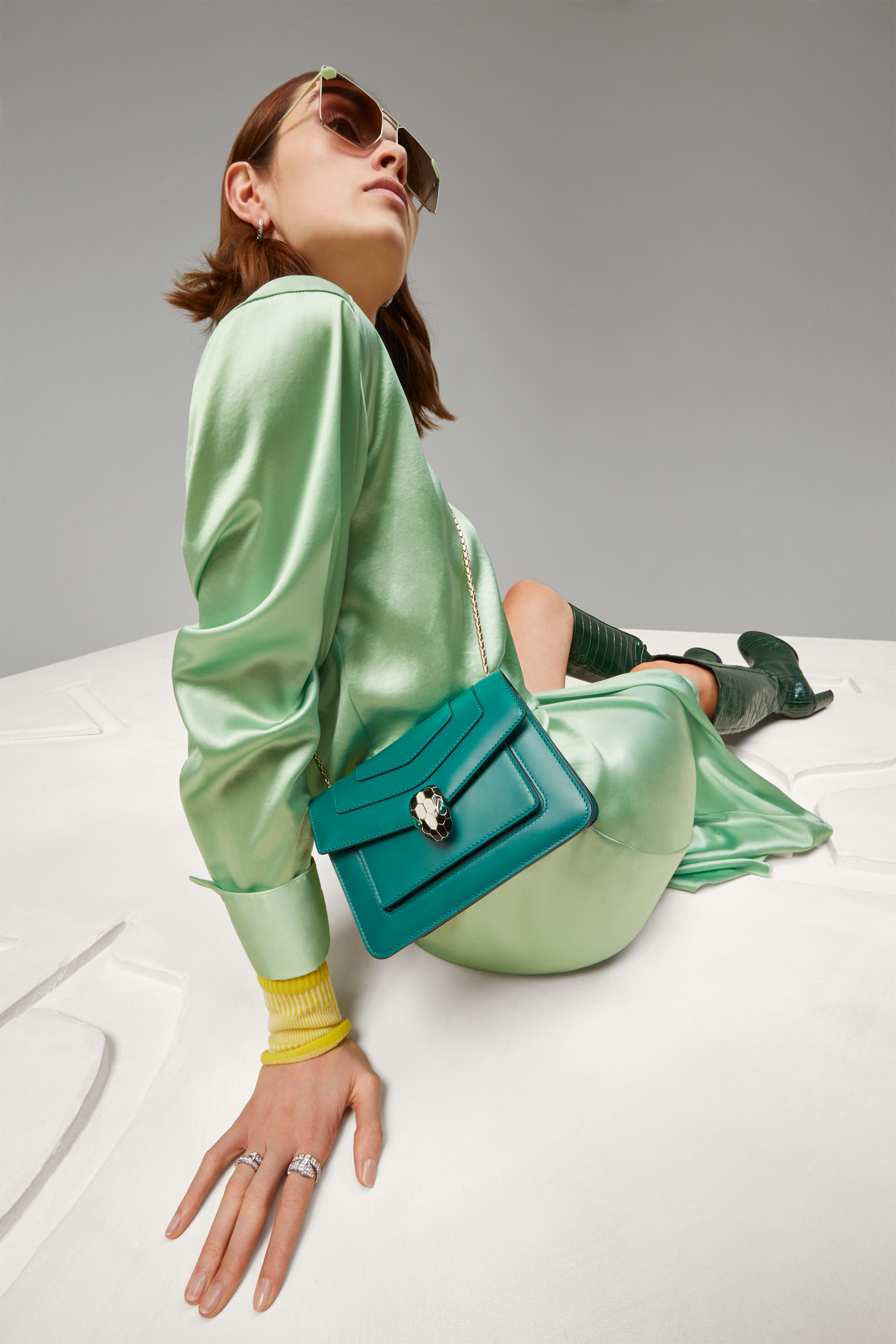 """Serpenti Forever"" crossbody bag in emerald green calf leather. Iconic snake head closure in light gold-plated brass enhanced with black and white agate enamel and green malachite eyes. 1082-CLa image 5"