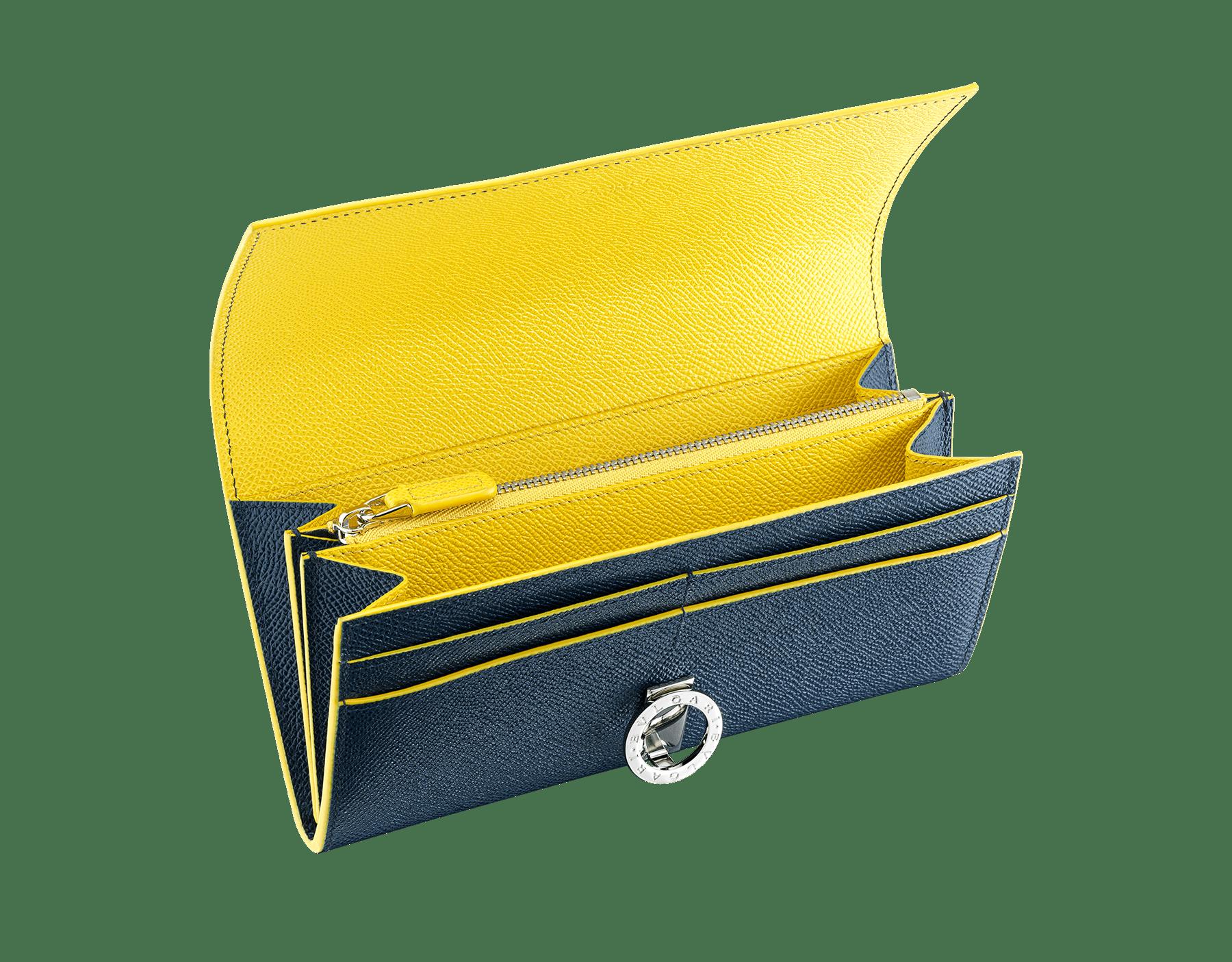 BVLGARI BVLGARI Pochette-Portemonnaie aus genarbtem Kalbsleder in Saphirblau und Daisy Topaz. Ikonische Verschlussklammer mit Logo aus palladiumbeschichtetem Messing. BCM-WLT-POCHE-16CCa image 2