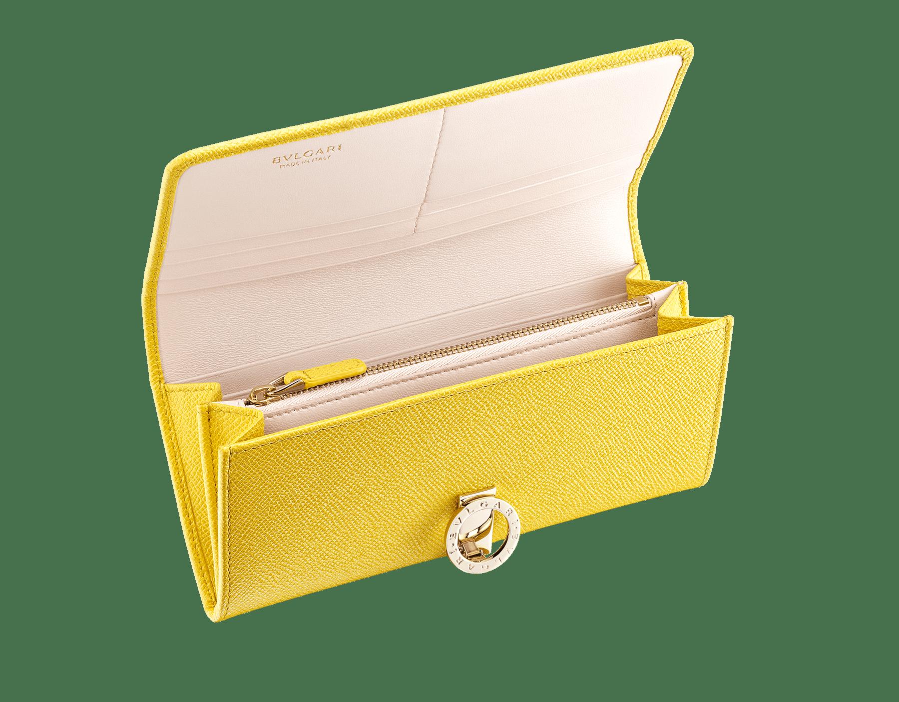 Großes BVLGARI BVLGARI Portemonnaie aus genarbtem Kalbsleder in Taffy Quartz und turmalinfarbenem Nappaleder. Ikonische Verschlussklammer mit Logo aus hell vergoldetem Messing. 579-WLT-SLI-POC-CLb image 2
