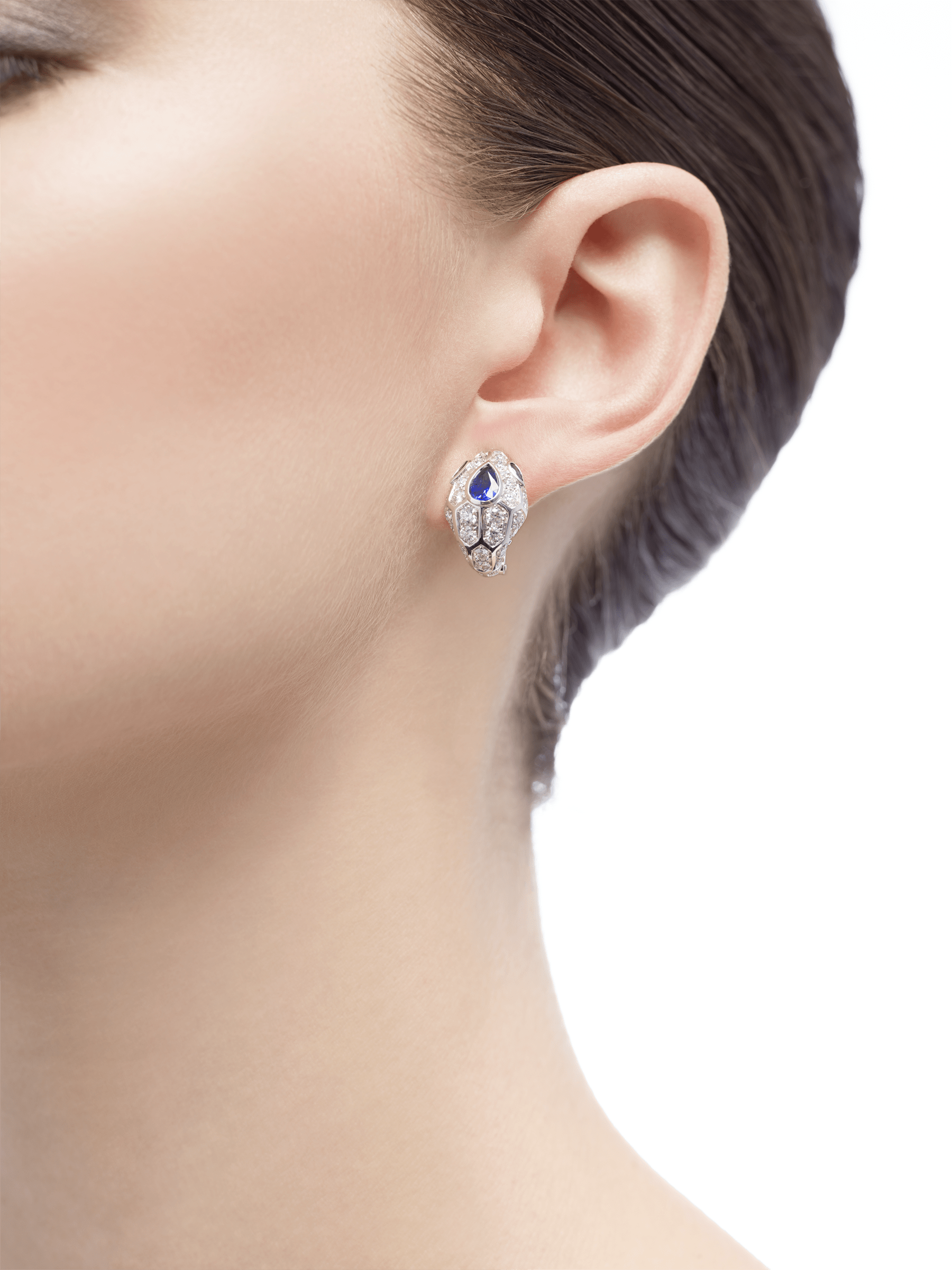 Serpenti 18 kt white gold earrings set with a blue sapphire on the head, emerald eyes and pavé diamonds 355355 image 3