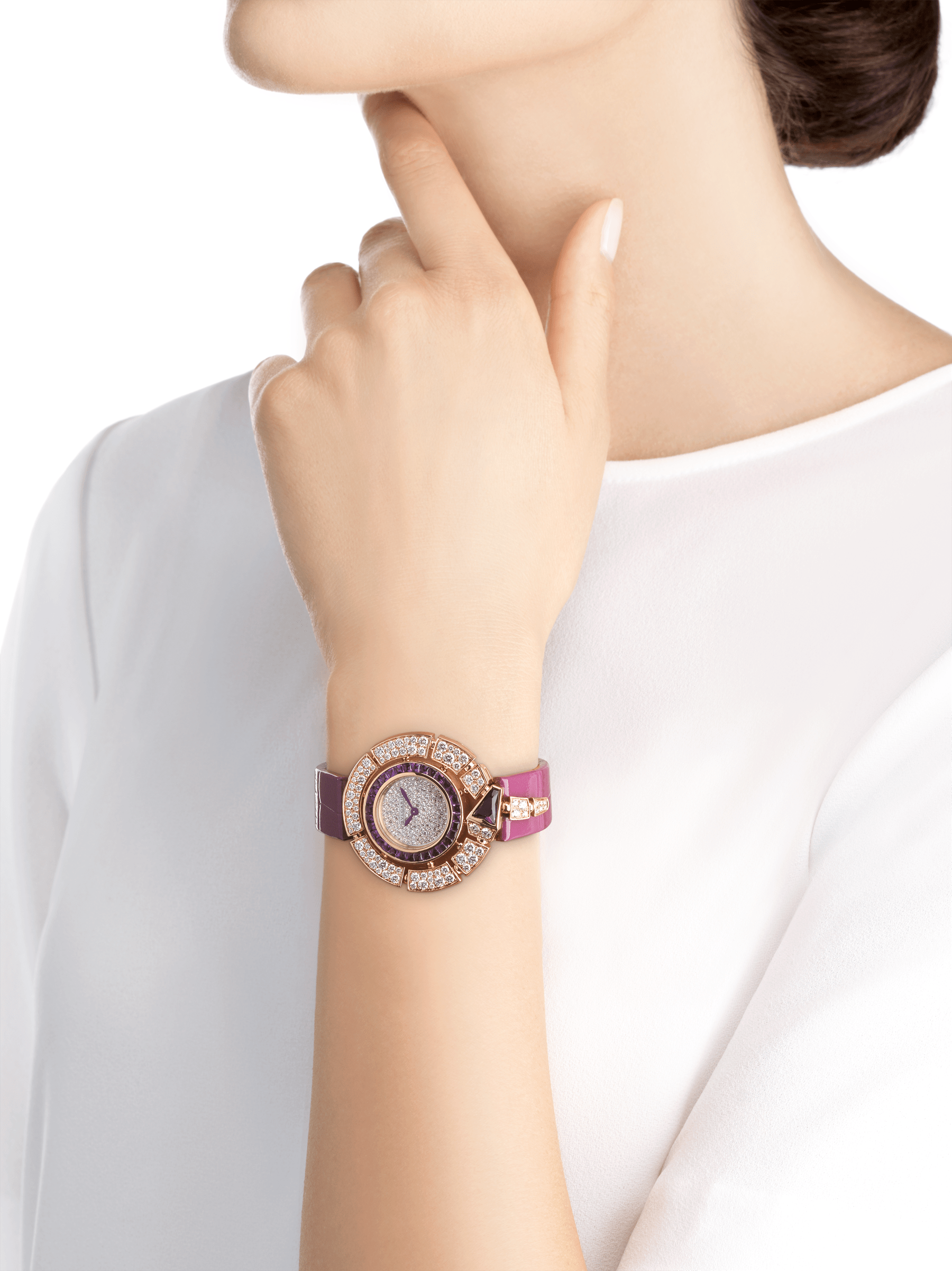 Serpenti Incantati watch with 18 kt rose gold case set with round brilliant-cut diamonds and a fancy-shaped amethyst, 18 kt rose gold bezel set with buff-cut amethysts, snow pavé dial and purple alligator bracelet 103125 image 4