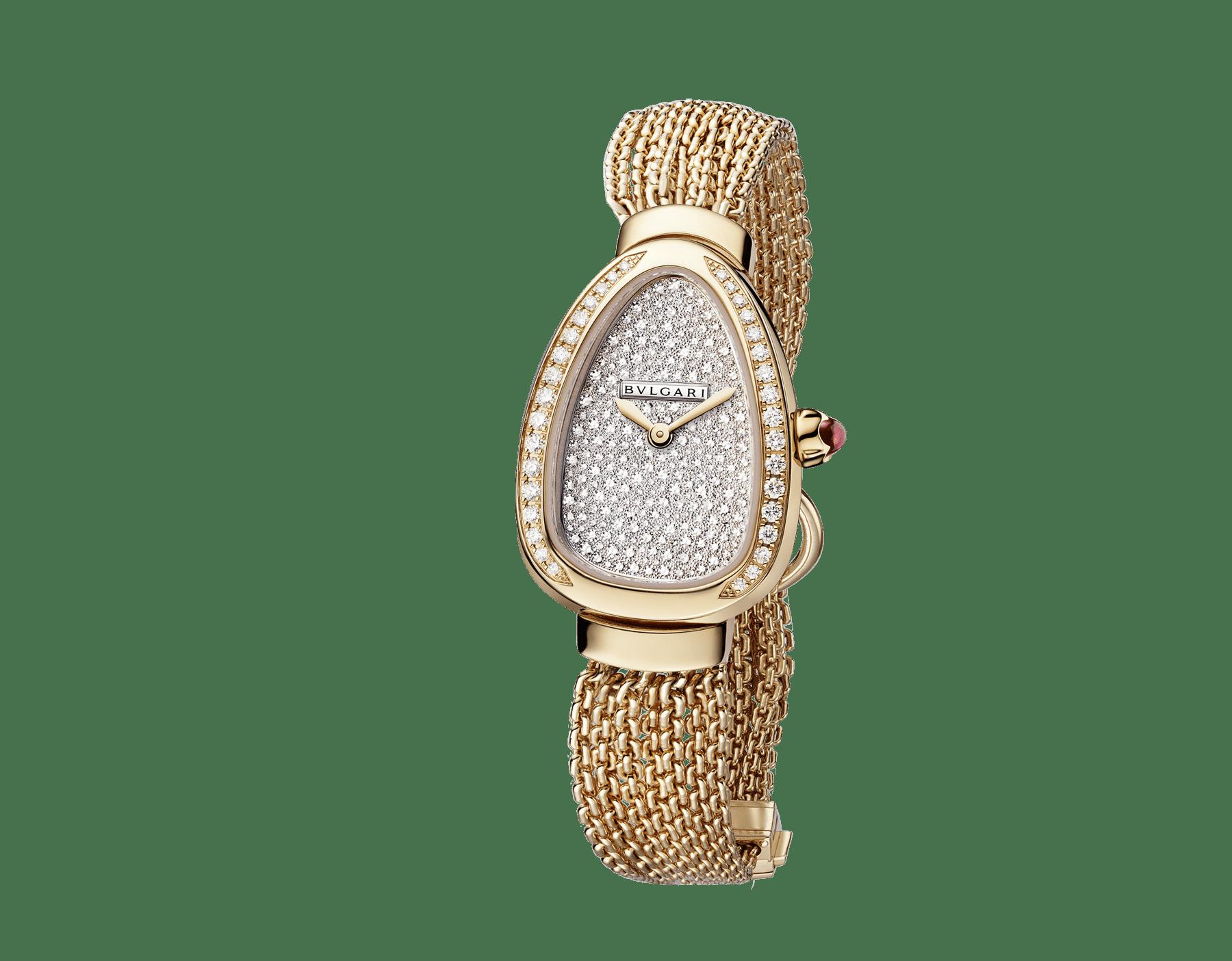 Reloj Serpenti con caja en oro rosa de 18qt con diamantes talla brillante engastados, esfera con pavé efecto nieve y brazalete de cadena de una vuelta intercambiable en oro rosa de 18qt 103063 image 2