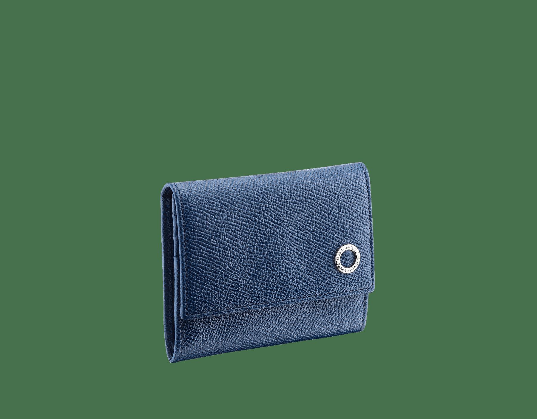 동전 및 카드 지갑. 데님 사파이어 컬러의 그레인 카프 레더 소재에 황동 팔라듐이 도금된 불가리 불가리 모티브 장식. 282609 image 1