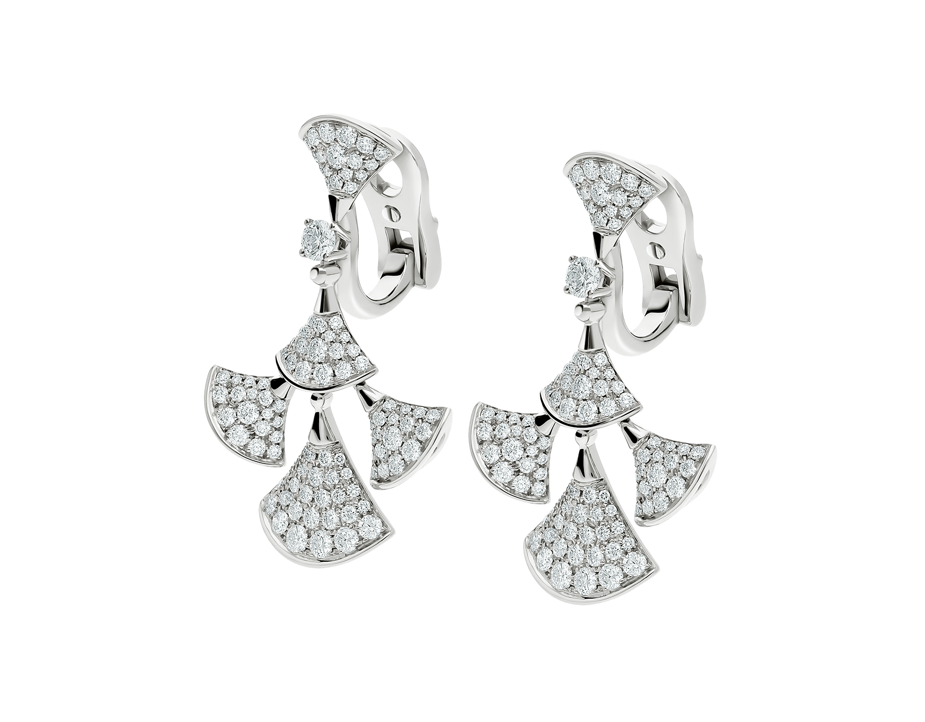DIVAS' DREAM earrings in white gold, set with a diamond and full pavé diamonds. 352809 image 2