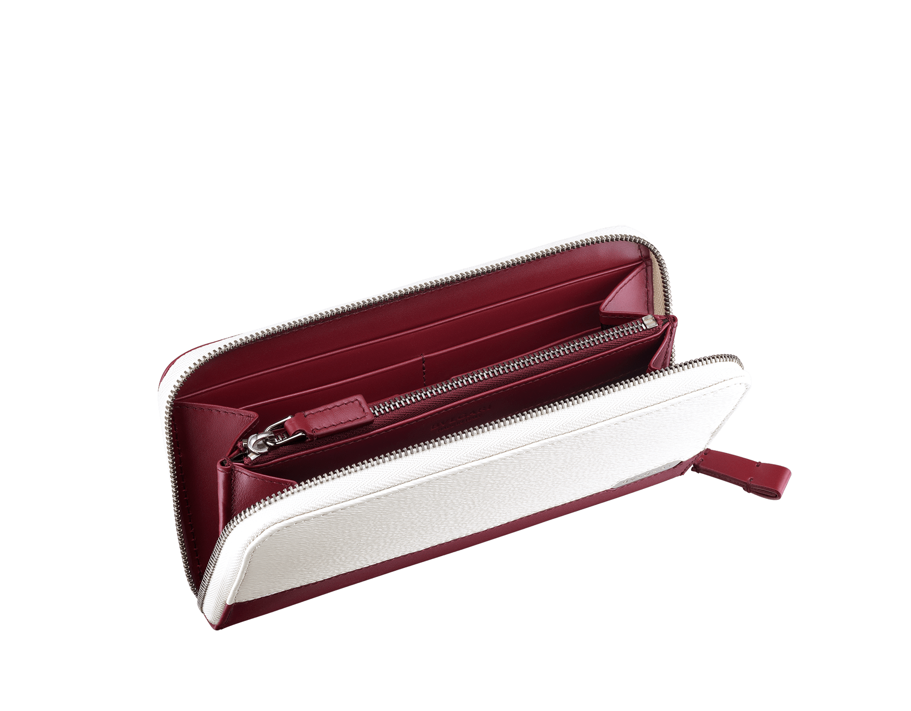 Serpenti Scaglie men's zipped wallet in white agate grazed calf leather and roman garnet calf leather. Bvlgari logo engraved on the hexagonal scaglie metal plate finished in dark ruthenium. 288344 image 2