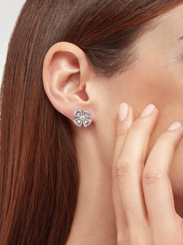 Fiorever 18K 白金可變換式耳環,鑲飾明亮型切割鑽石(2.81 克拉)和密鑲鑽石(0.26 克拉)。 358158 image 5