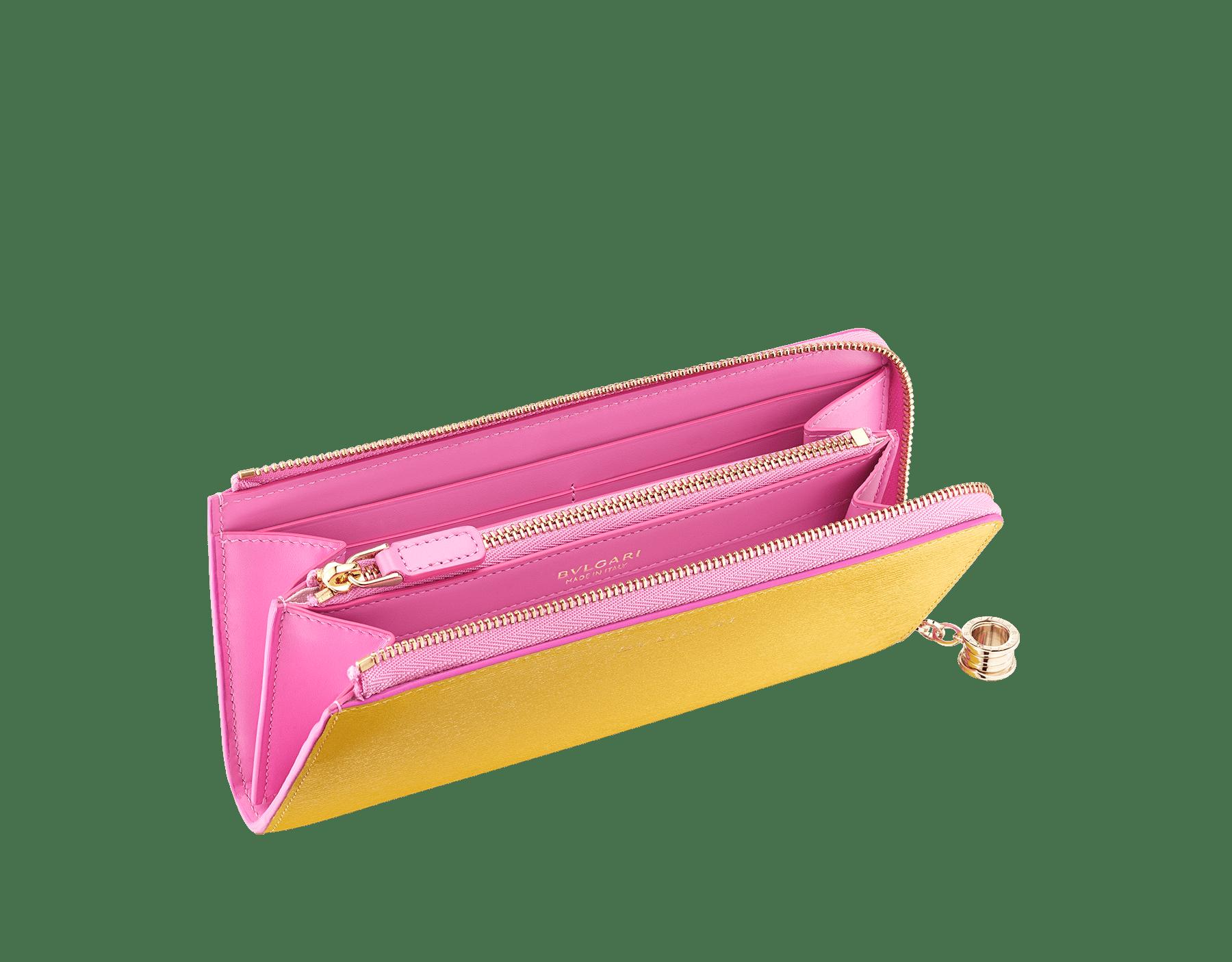 B.zero1 L-shaped zipped wallet in daisy topaz, taffy quartz goatskin and taffy quartz nappa. Iconic B.zero1 zip puller in light gold-plated brass. BZA-WLT-MZP-SLIM-L image 2