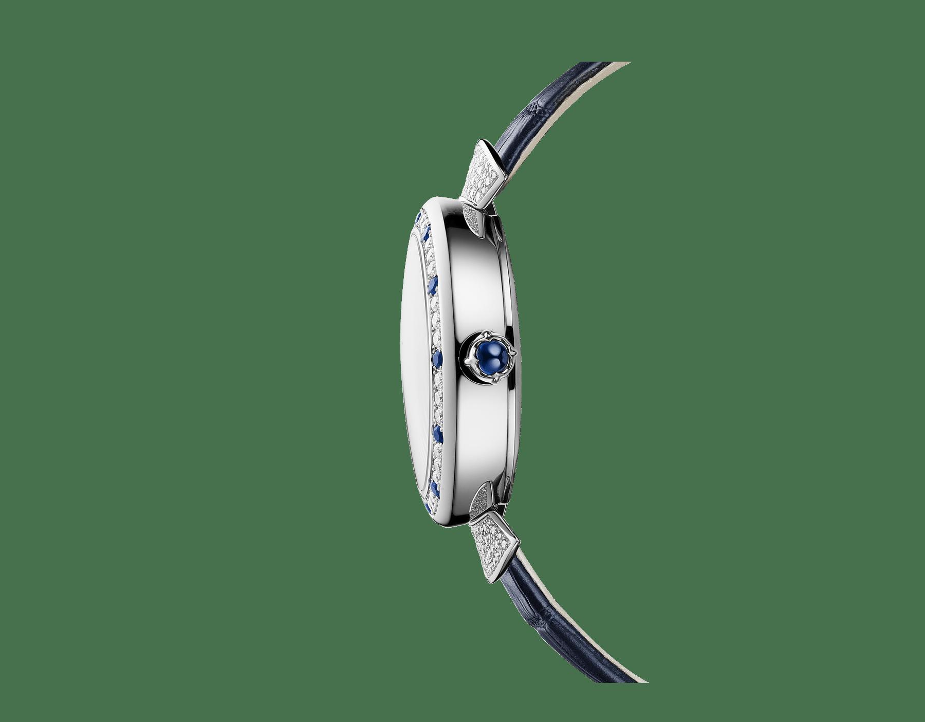 Relógio DIVAS' DREAM com movimento de manufatura mecânico, corda automática, caixa em ouro branco 18K cravejada com diamantes redondos lapidação brilhante e safiras, discos giratórios em aventurina com diamantes e constelações impressas e pulseira em couro de jacaré azul-escuro 102842 image 2
