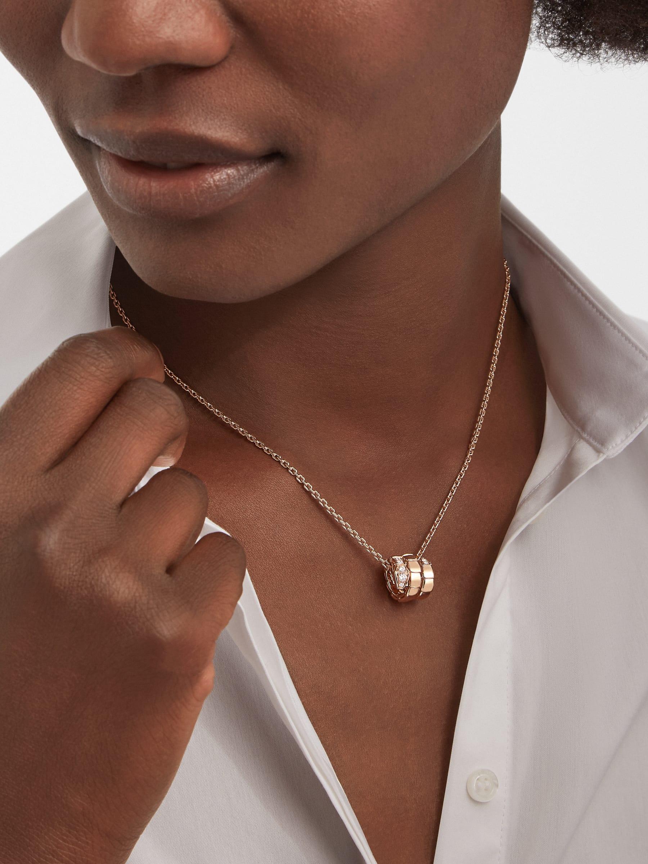 Pendentif Serpenti Viper en or rose 18K avec semi-pavé diamants 357794 image 1
