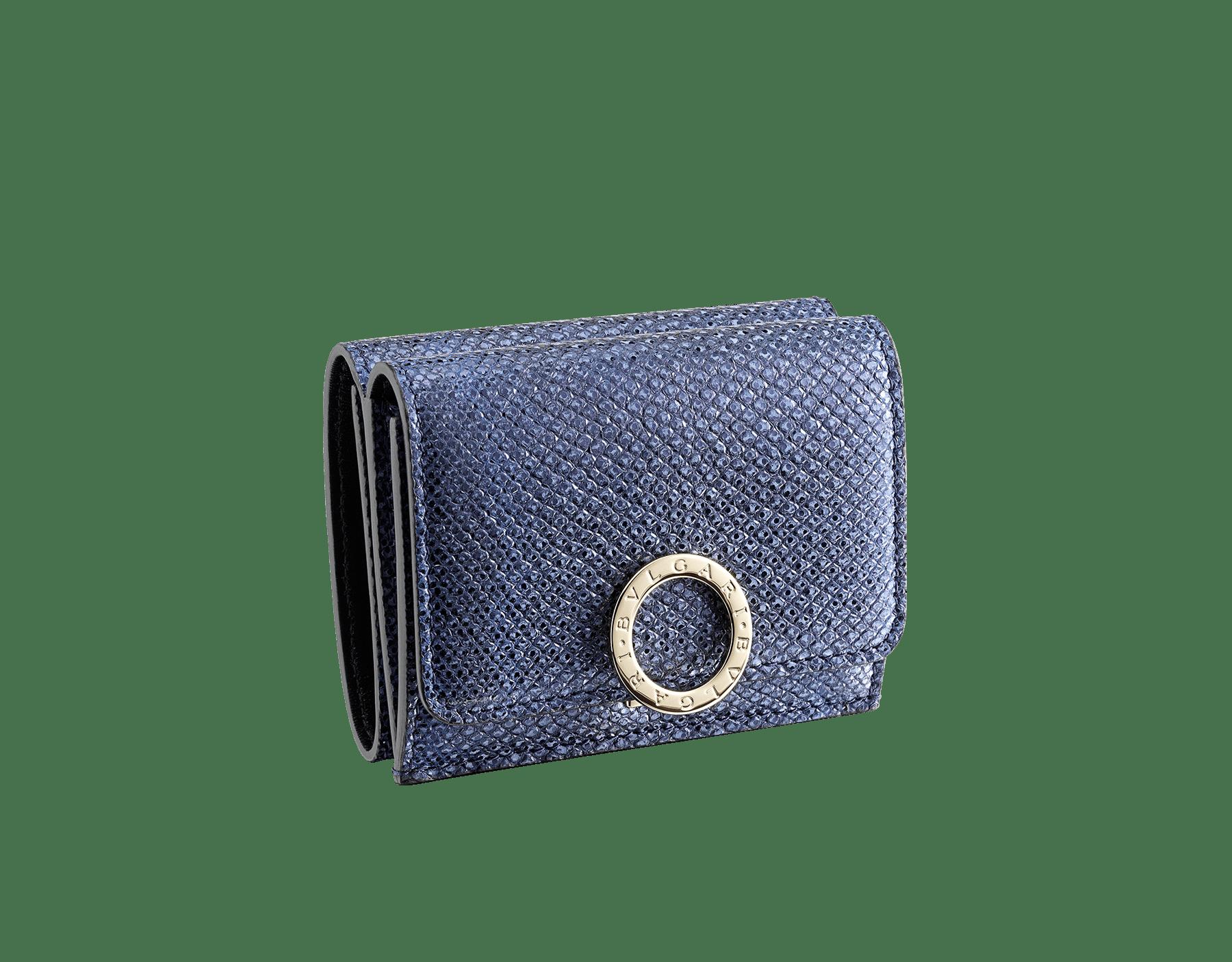 """Portafoglio compatto """"BVLGARI BVLGARI"""" in karung metallizzato blu Midnight Sapphire e nappa nera. Iconica chiusura a clip con logo in ottone placcato oro chiaro. 579-MINICOMPACT-K image 1"""