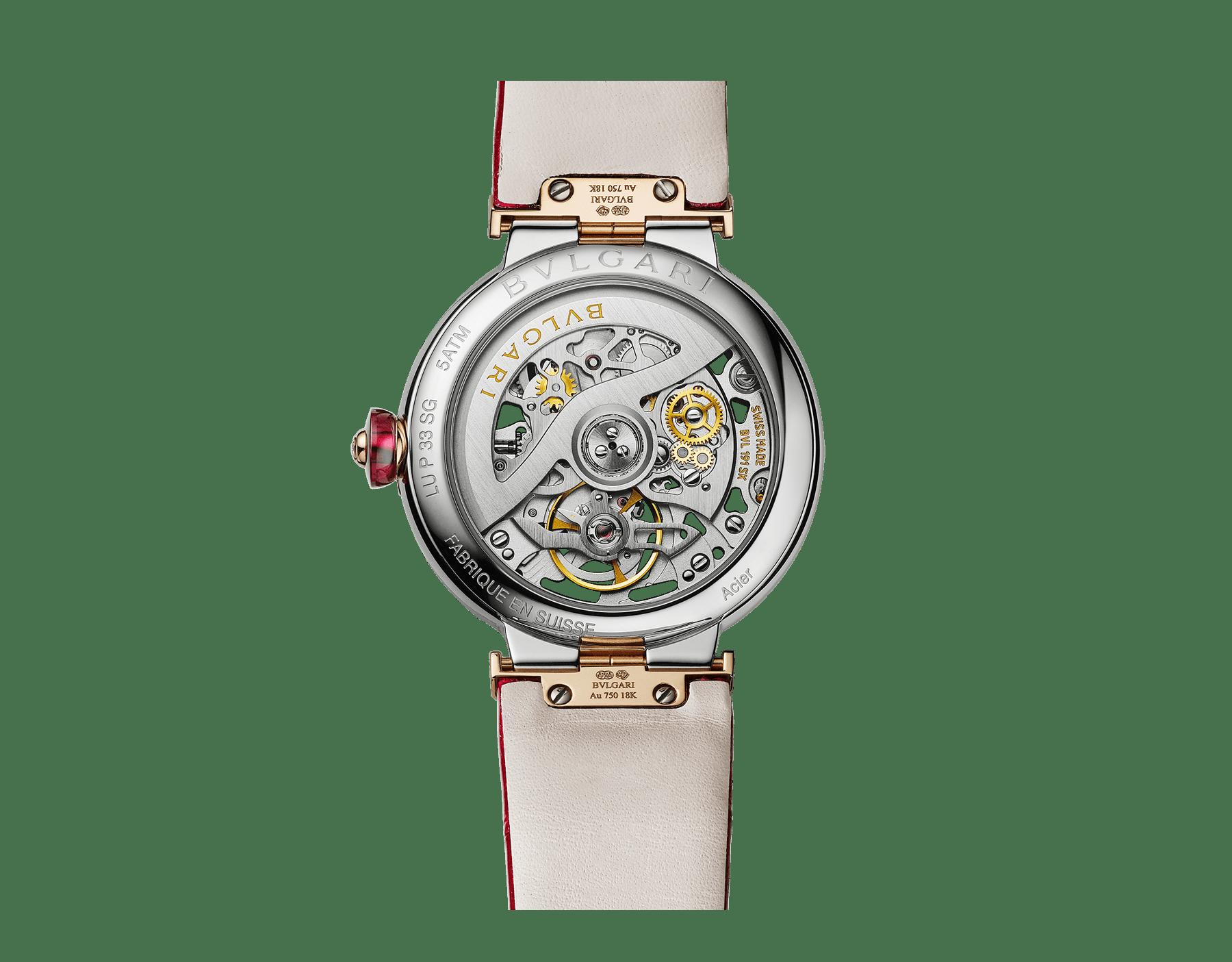 Relógio LVCEA Skeleton com movimento mecânico, corda automática e execução esqueletizada, caixa em aço, bezel em ouro rosa 18K, mostrador com logotipo BVLGARI em aço vazado cravejado com rubis e pulseira em couro de jacaré vermelho 103122 image 4