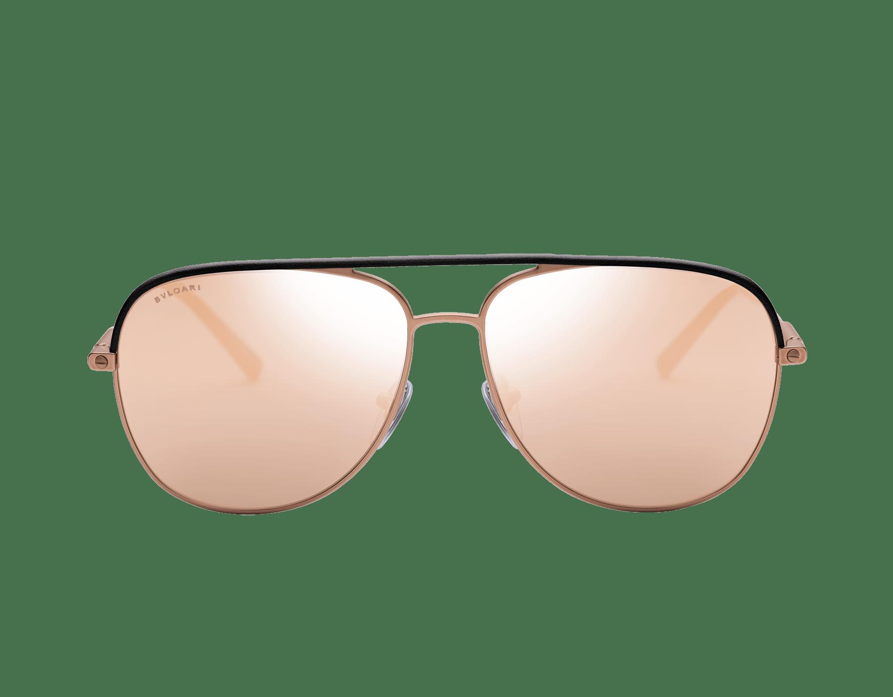 Óculos de sol Bvlgari Diagono com formato aviador em metal com inserções de couro. 903673 image 2