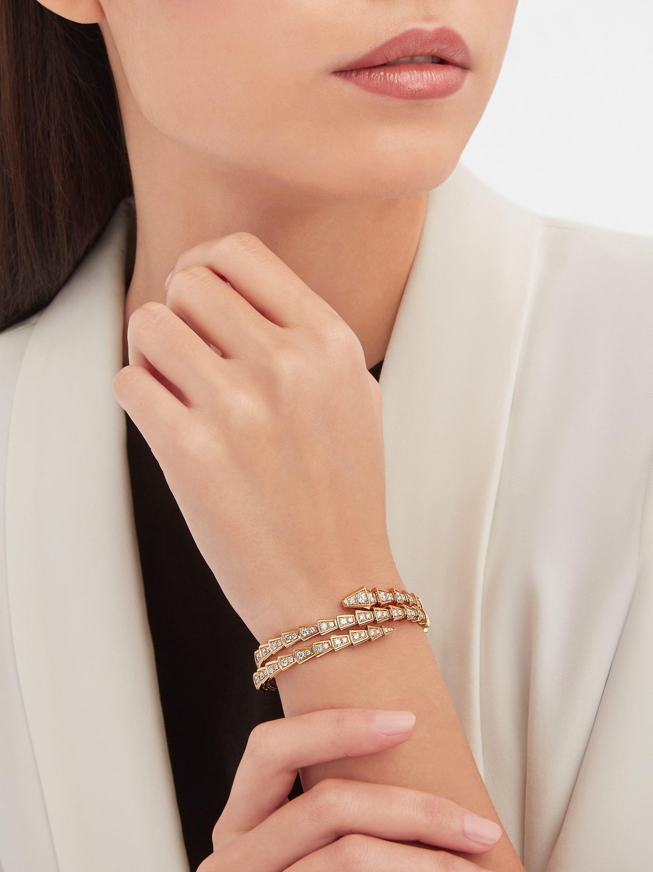 Bracelet deux tours Serpenti Viper en or rose 18K avec pavé diamants BR858796 image 2