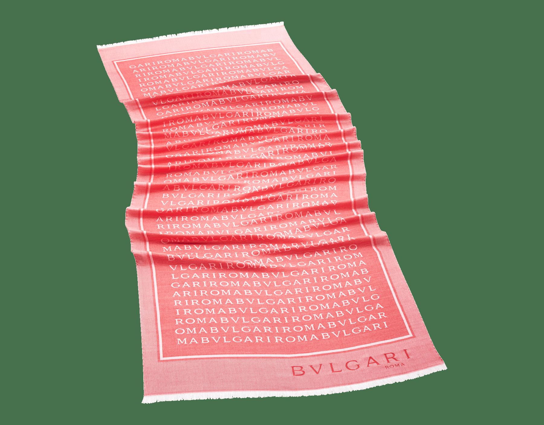 Étole Lettere Street couleur Carmine Jasper en laine et soie fine. 243982 image 1