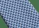 「Double Click」柄があしらわれたブルーのタイ。上質なシルク製。 244108 image 2