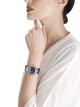 Relógio DIVAS' DREAM com movimento de manufatura mecânico, corda automática, caixa em ouro branco 18K cravejada com diamantes redondos lapidação brilhante e safiras, discos giratórios em aventurina com diamantes e constelações impressas e pulseira em couro de jacaré azul-escuro 102842 image 4