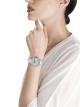 루체아 워치. 18kt 화이트 골드 소재에 브릴리언트컷 다이아몬드가 세팅된 케이스와 브레이슬릿, 풀 파베 다이아몬드 다이얼 102380 image 4