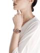 Serpenti Incantati Limited Edition 限量版腕錶搭載鏤空機械機芯,陀飛輪,手動上鍊。18K 玫瑰金錶殼鑲飾明亮型切割鑽石,透明錶盤,酒紅色鱷魚皮錶帶。 102540 image 3