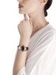 DIVAS' DREAM Uhr mit einem Gehäuse aus 18 Karat Roségold, einem schwarz lackierten Zifferblatt mit Diamant-Indizes und einem Armband aus schwarzem Alligatorleder. 102841 image 4